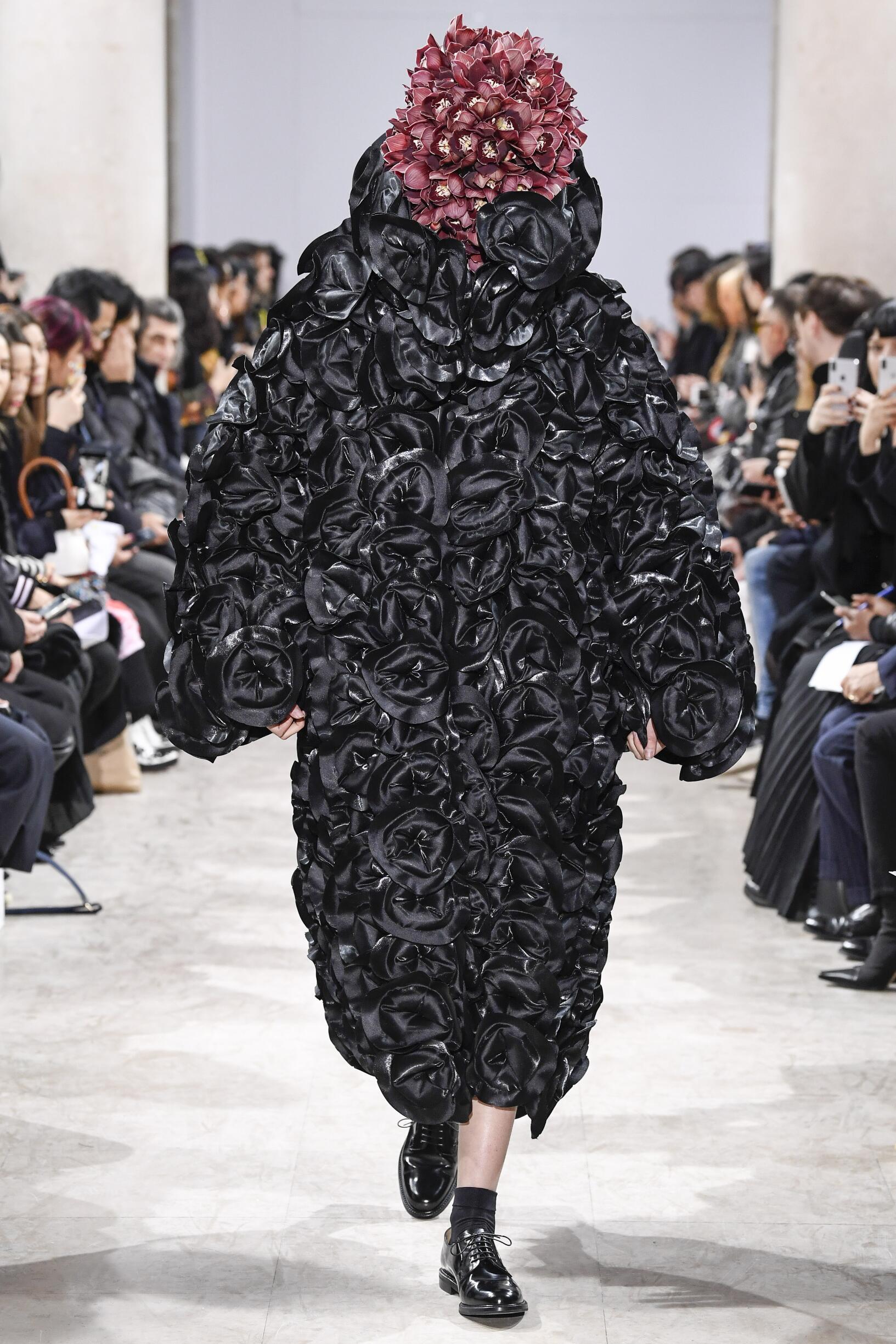 2018 Woman Style Noir Kei Ninomiya