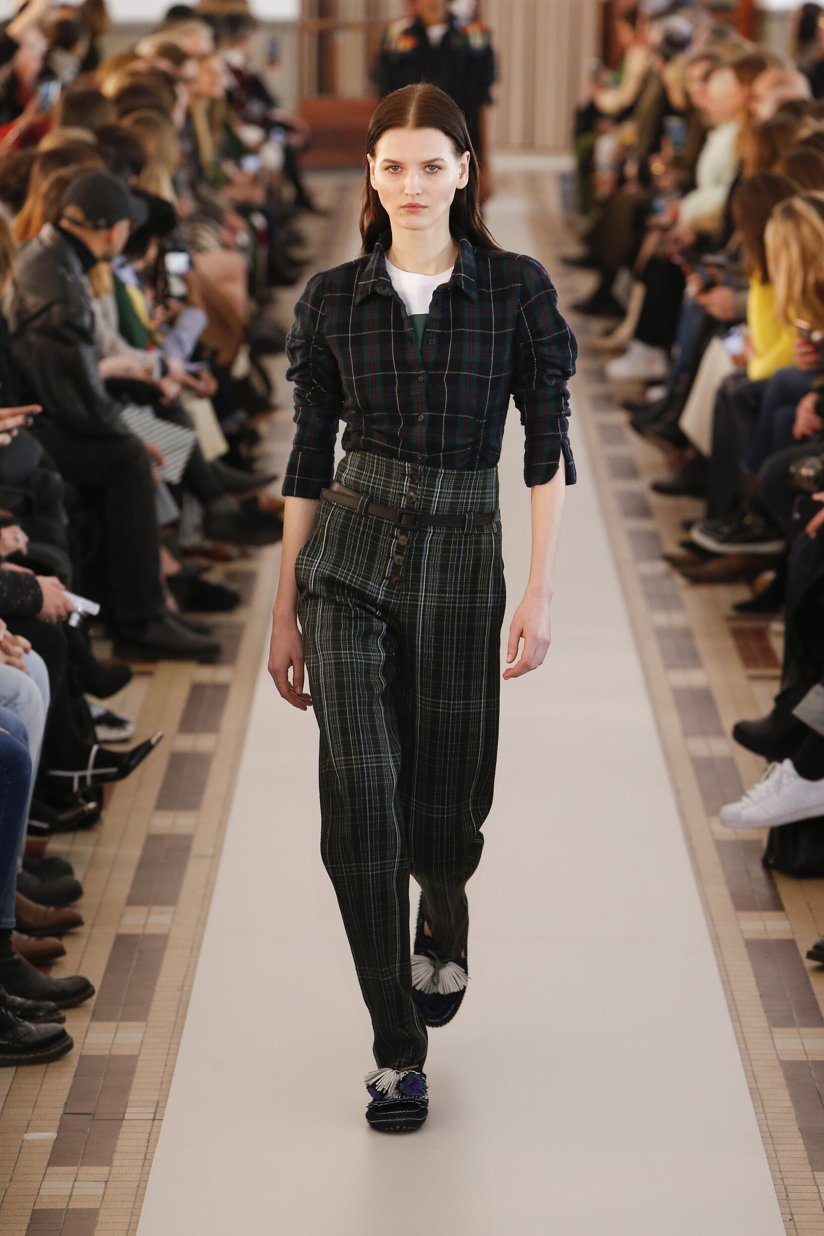 Carven Catwalk