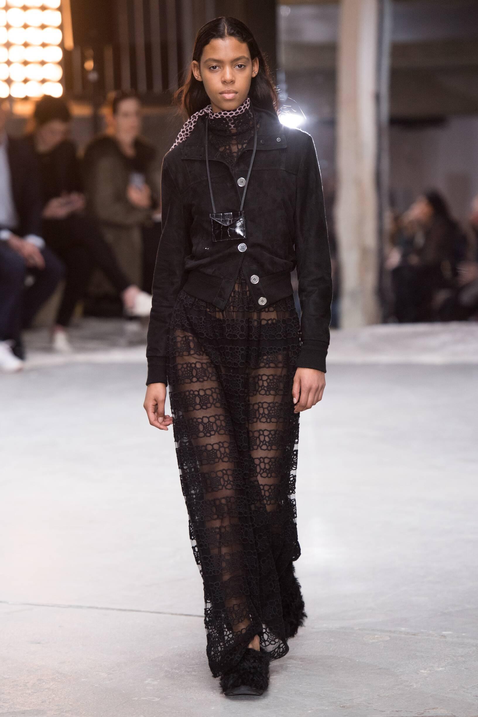 Catwalk Giambattista Valli Woman Fashion Show Winter 2018