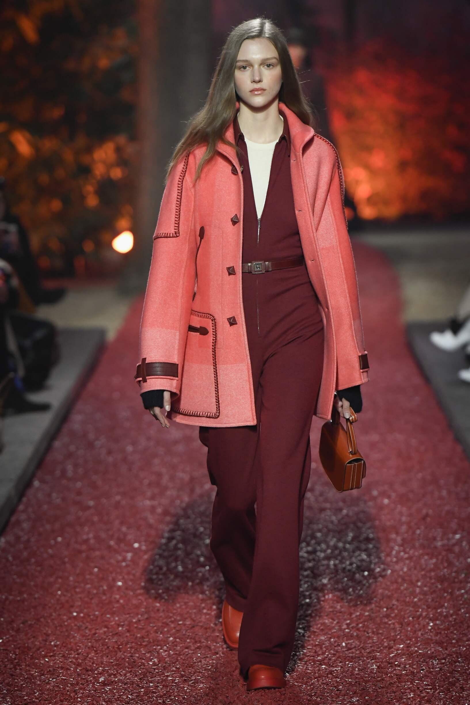 Catwalk Hermès Woman Fashion Show Winter 2018