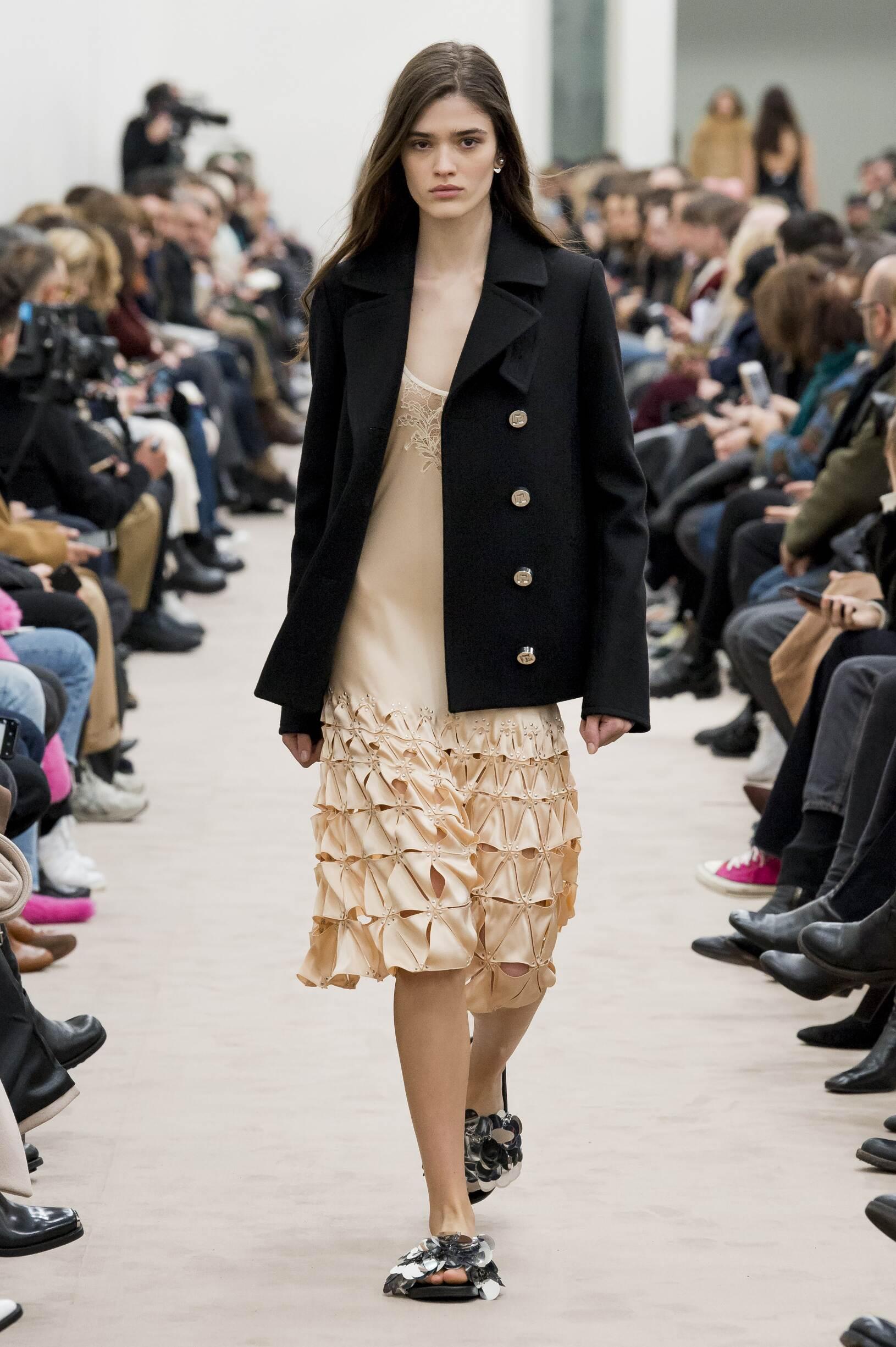 Catwalk Paco Rabanne Woman Fashion Show Winter 2018