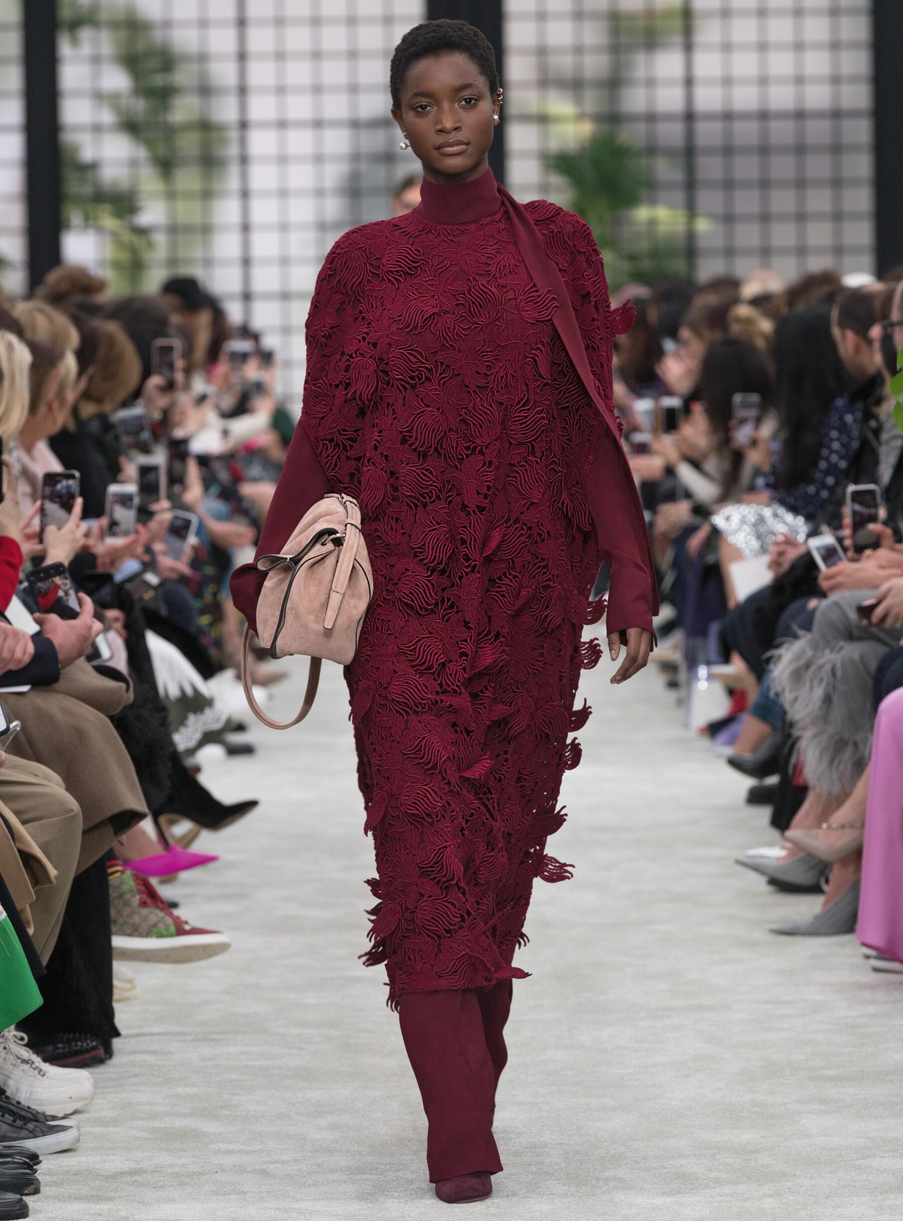 Catwalk Valentino Woman Fashion Show Winter 2018