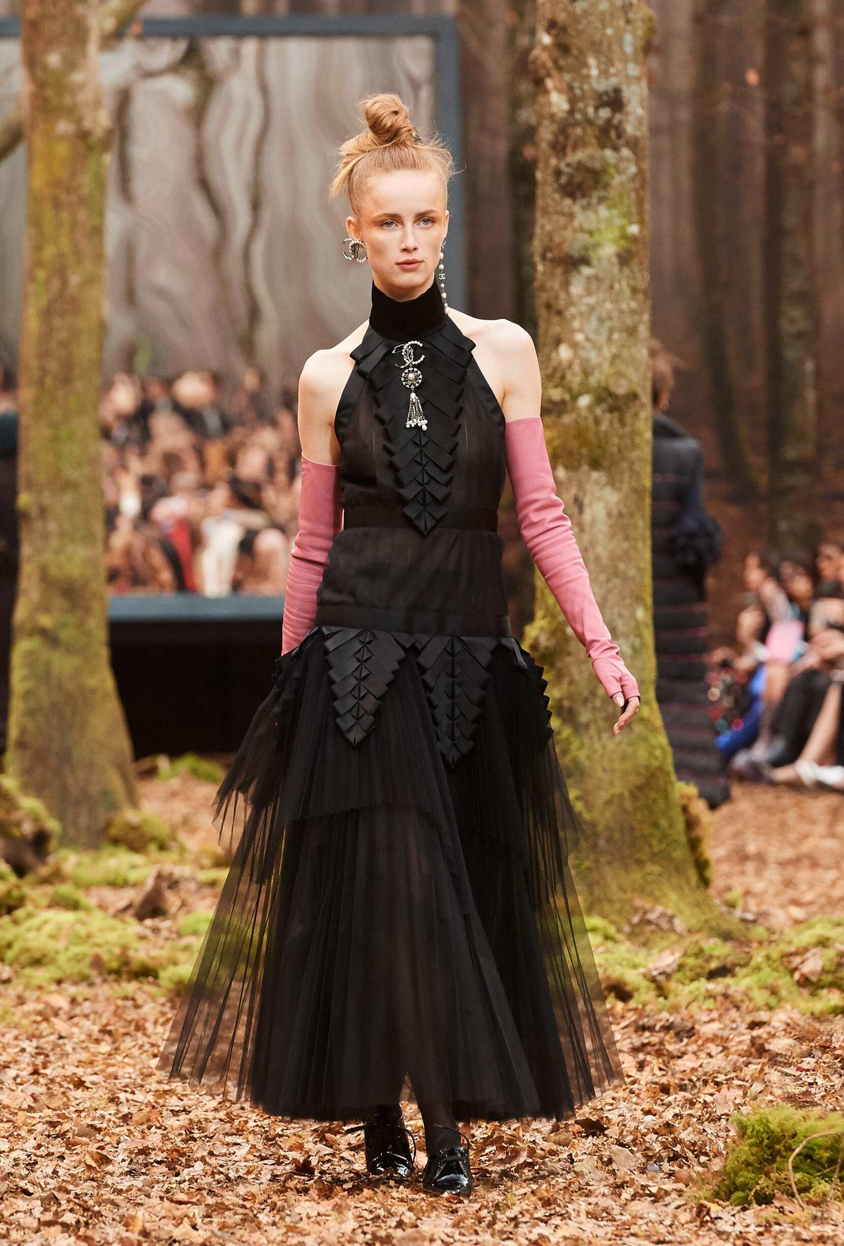 Chanel Woman 2018 Paris Trends