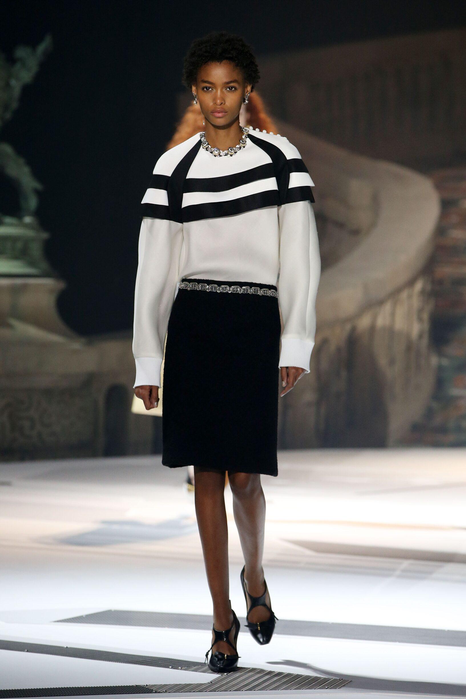 92a44d3753fe FW 2018-19 Fashion Show Louis Vuitton