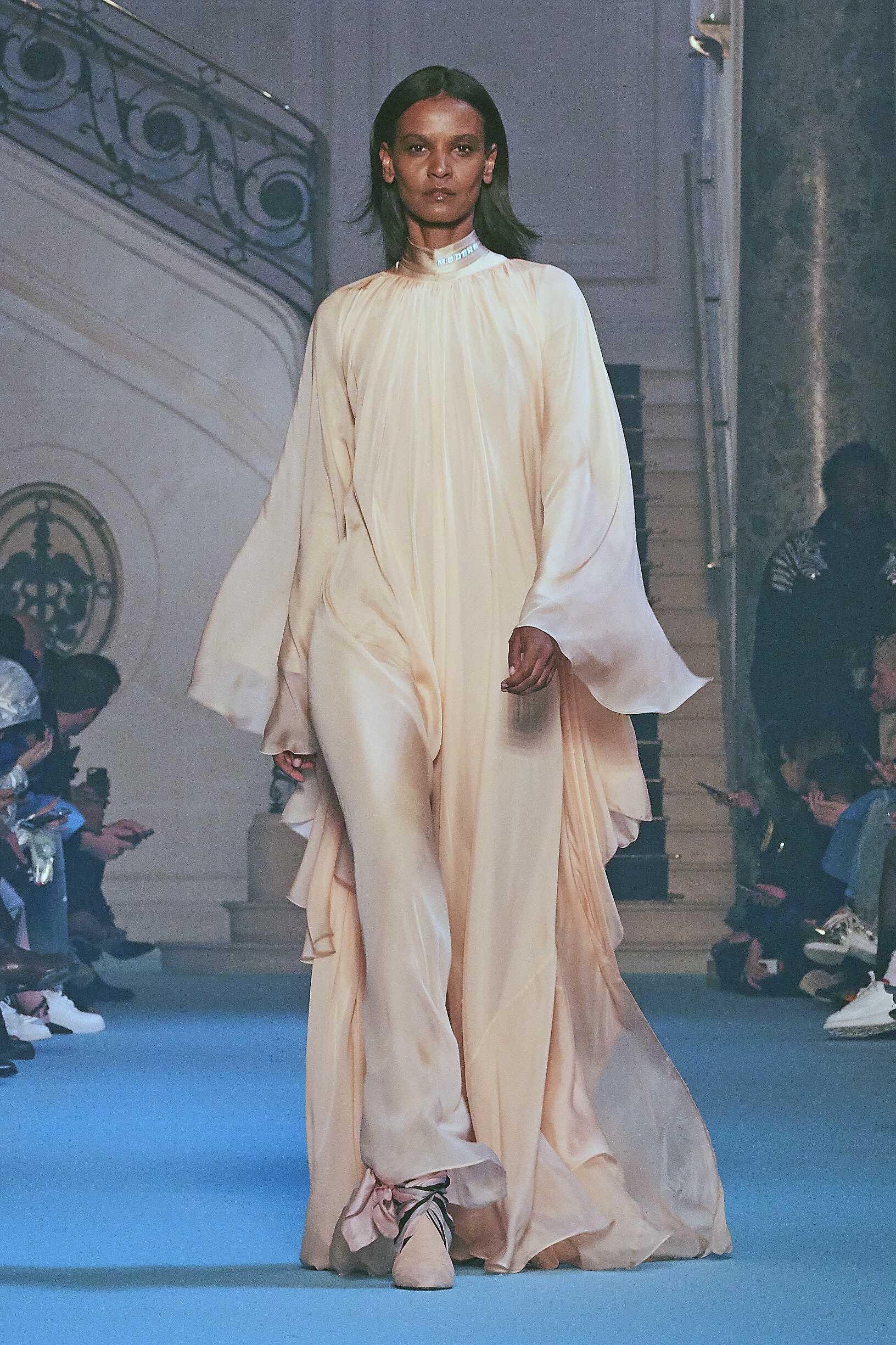 FW 2018-19 Off-White Fashion Show Paris