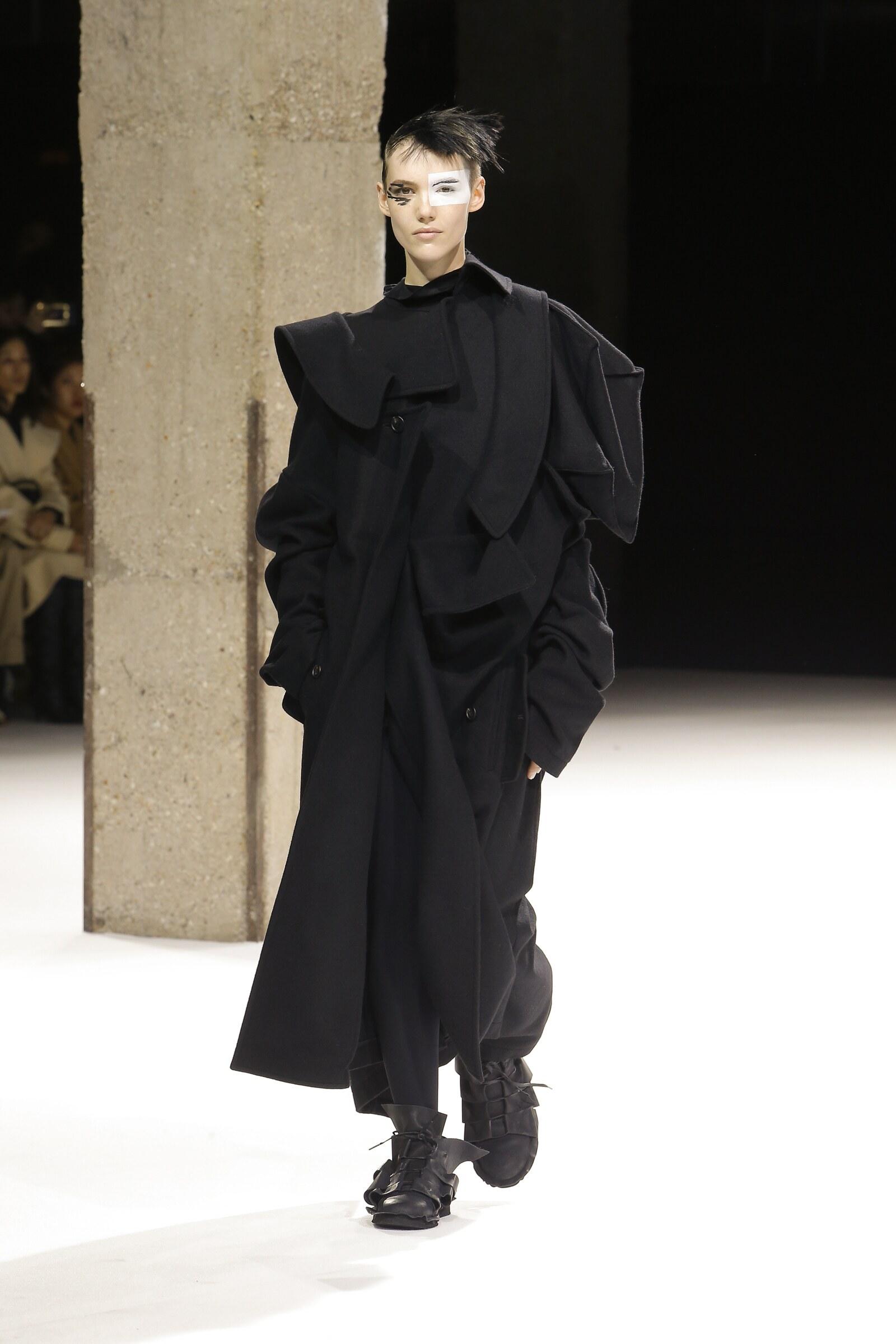 FW 2018-19 Yohji Yamamoto Fashion Show