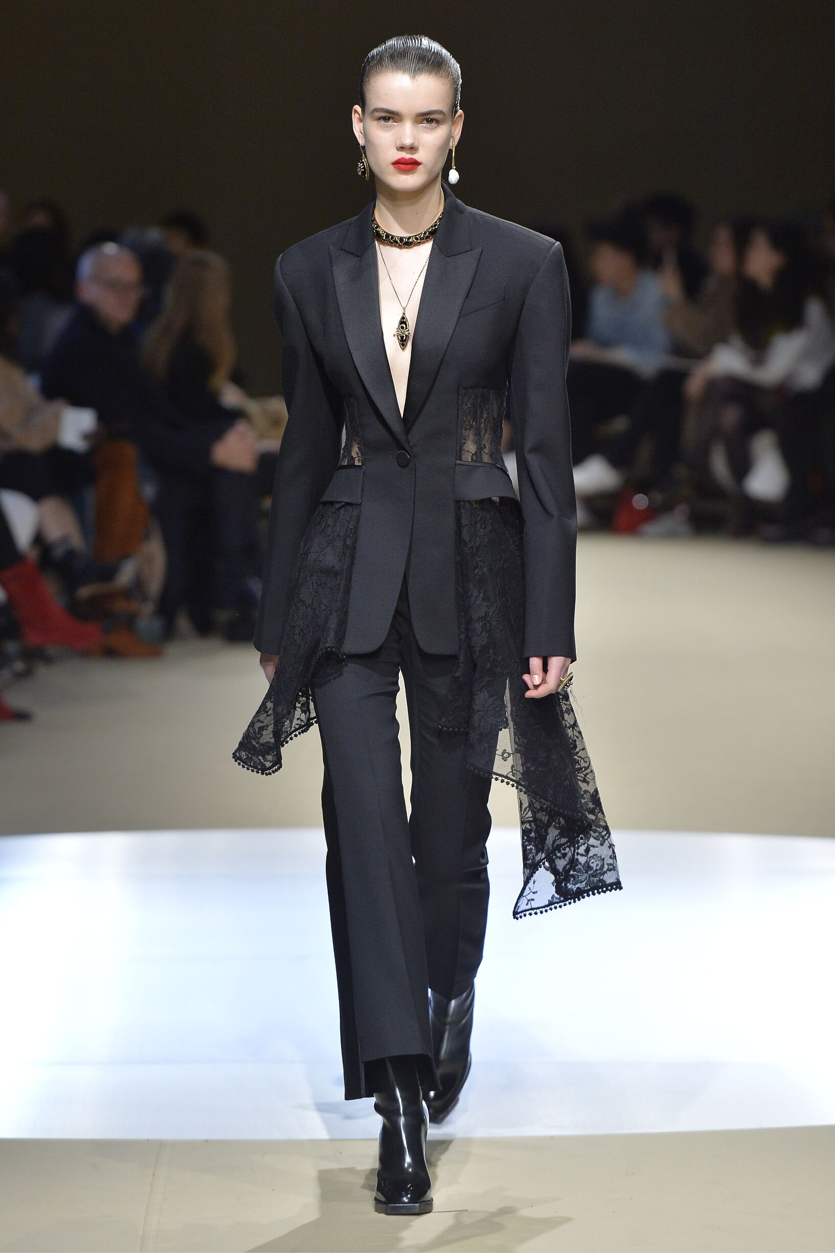 Fall Fashion Woman Trends 2018 Alexander McQueen