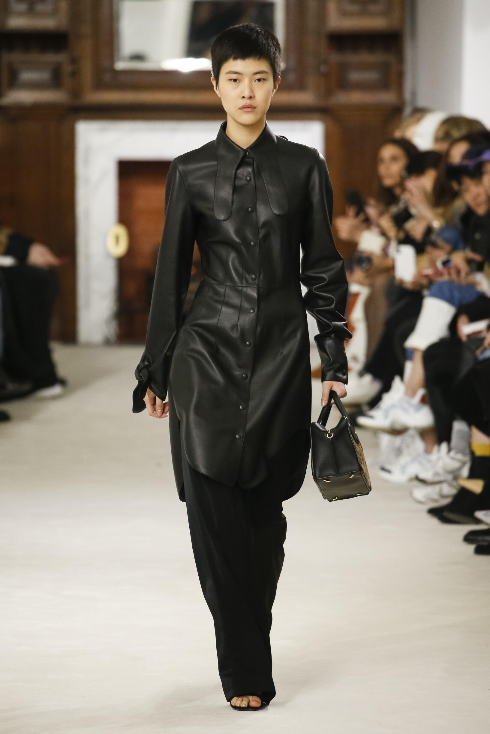 Fall Winter 2018 Woman Paris Loewe Collection