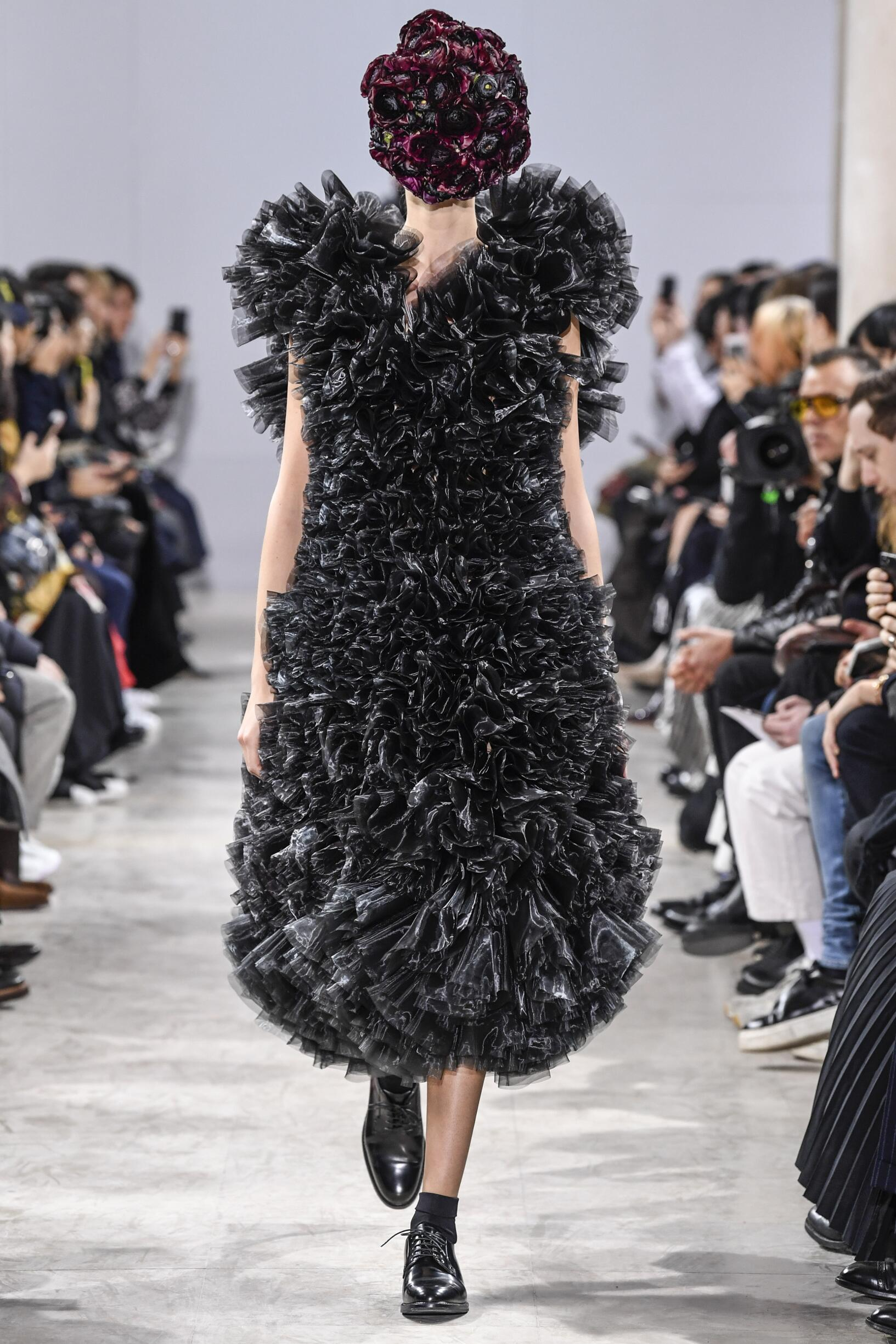 Fall Winter 2018 Woman Paris Noir Kei Ninomiya Collection