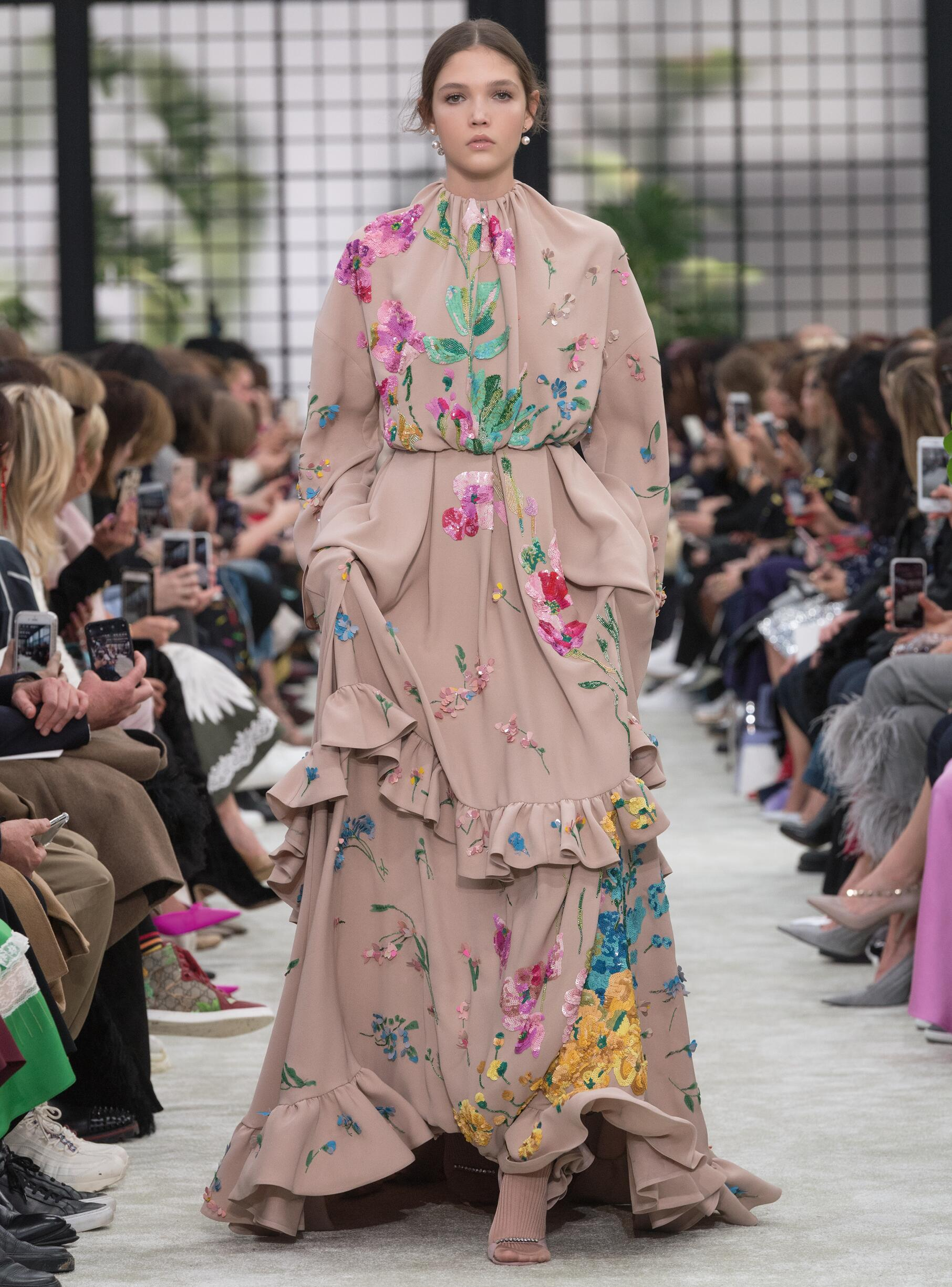 Fashion 2018-19 Trends Colors Valentino