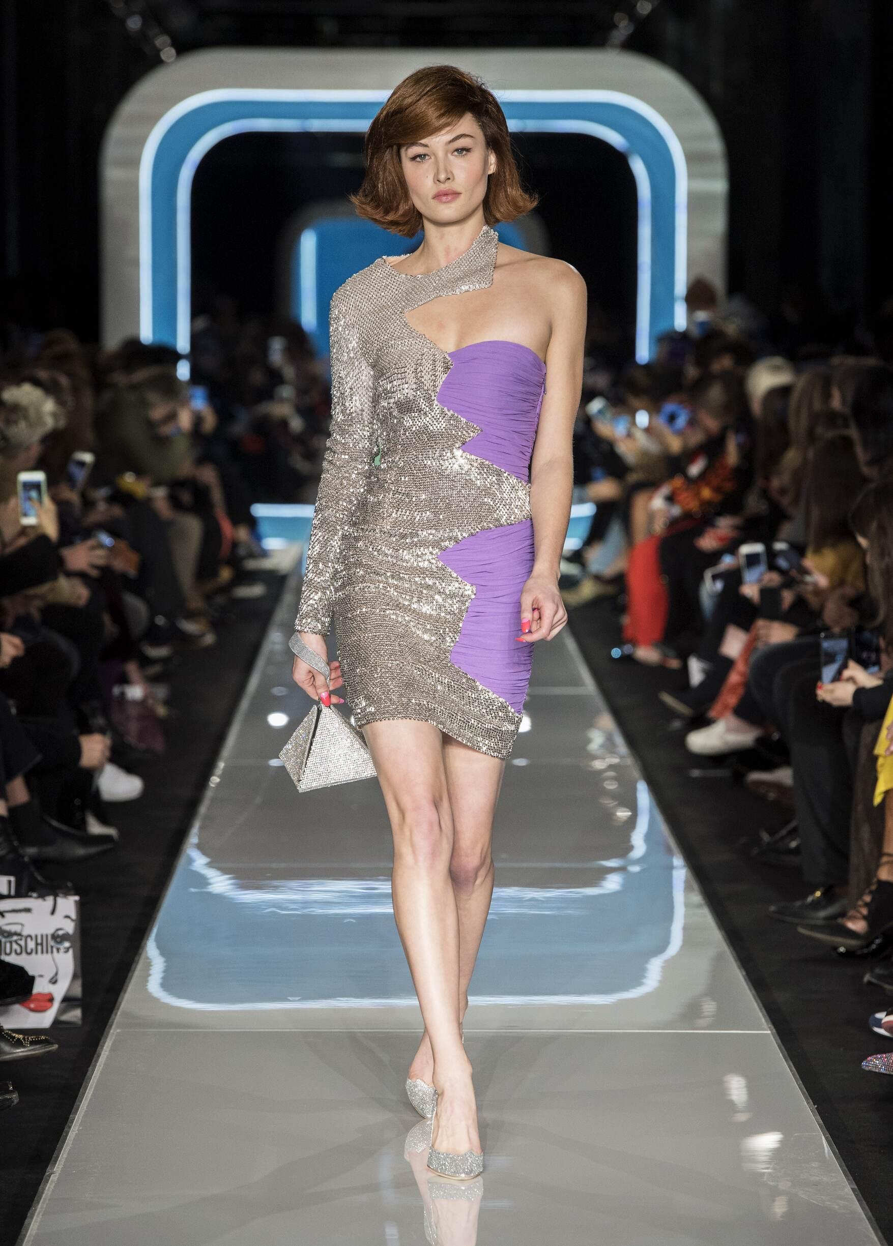 Fashion 2018-19 Woman Colors Moschino