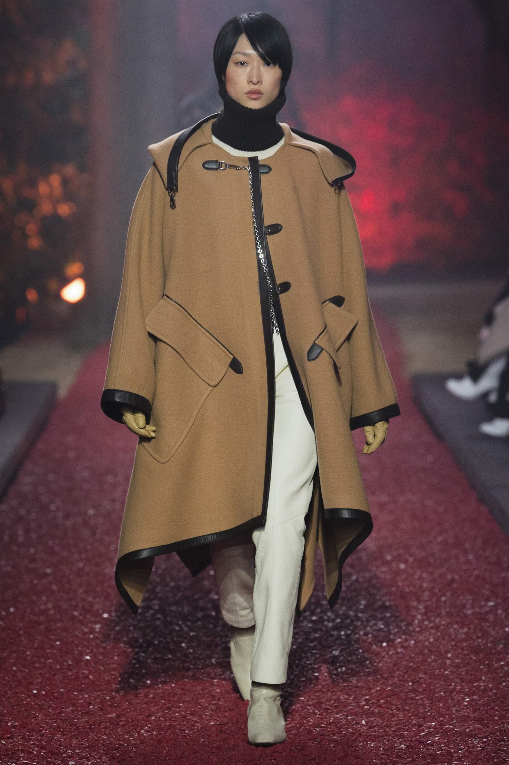 Fashion 2018-19 Woman Style Hermès