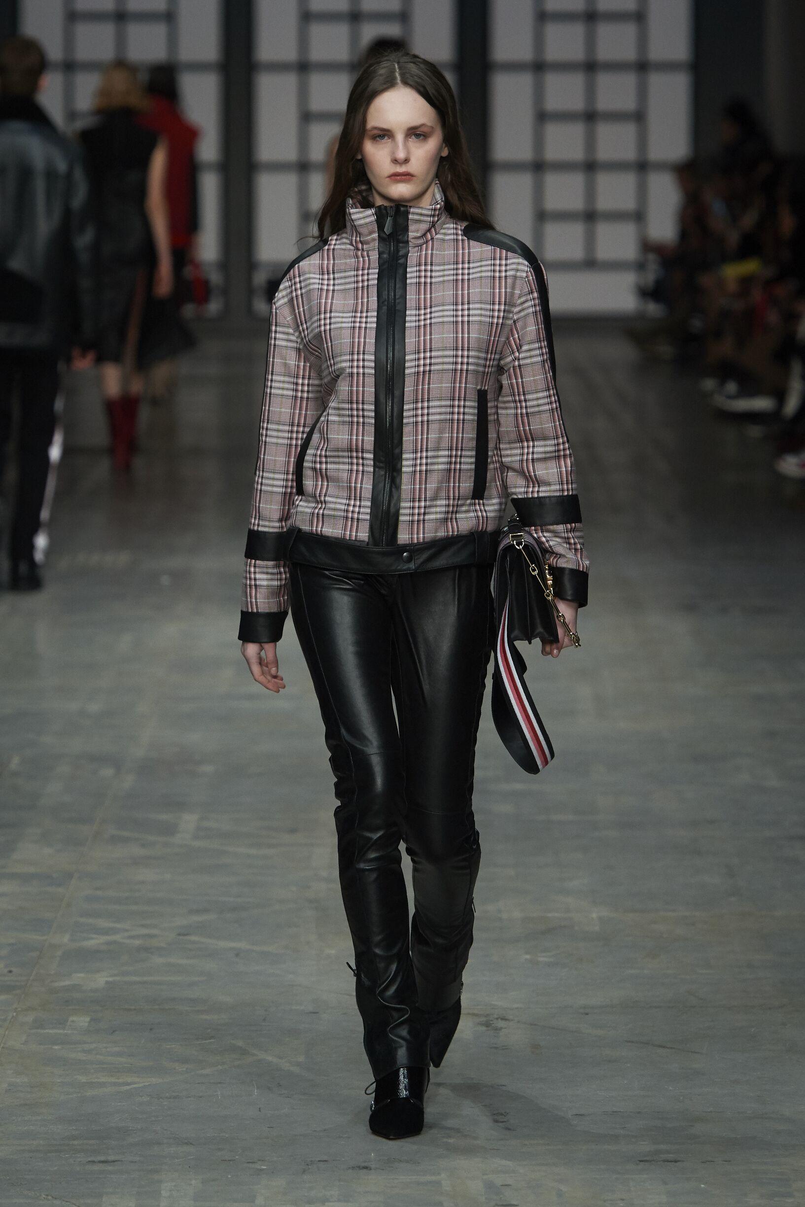 Fashion 2018-19 Woman Style Trussardi
