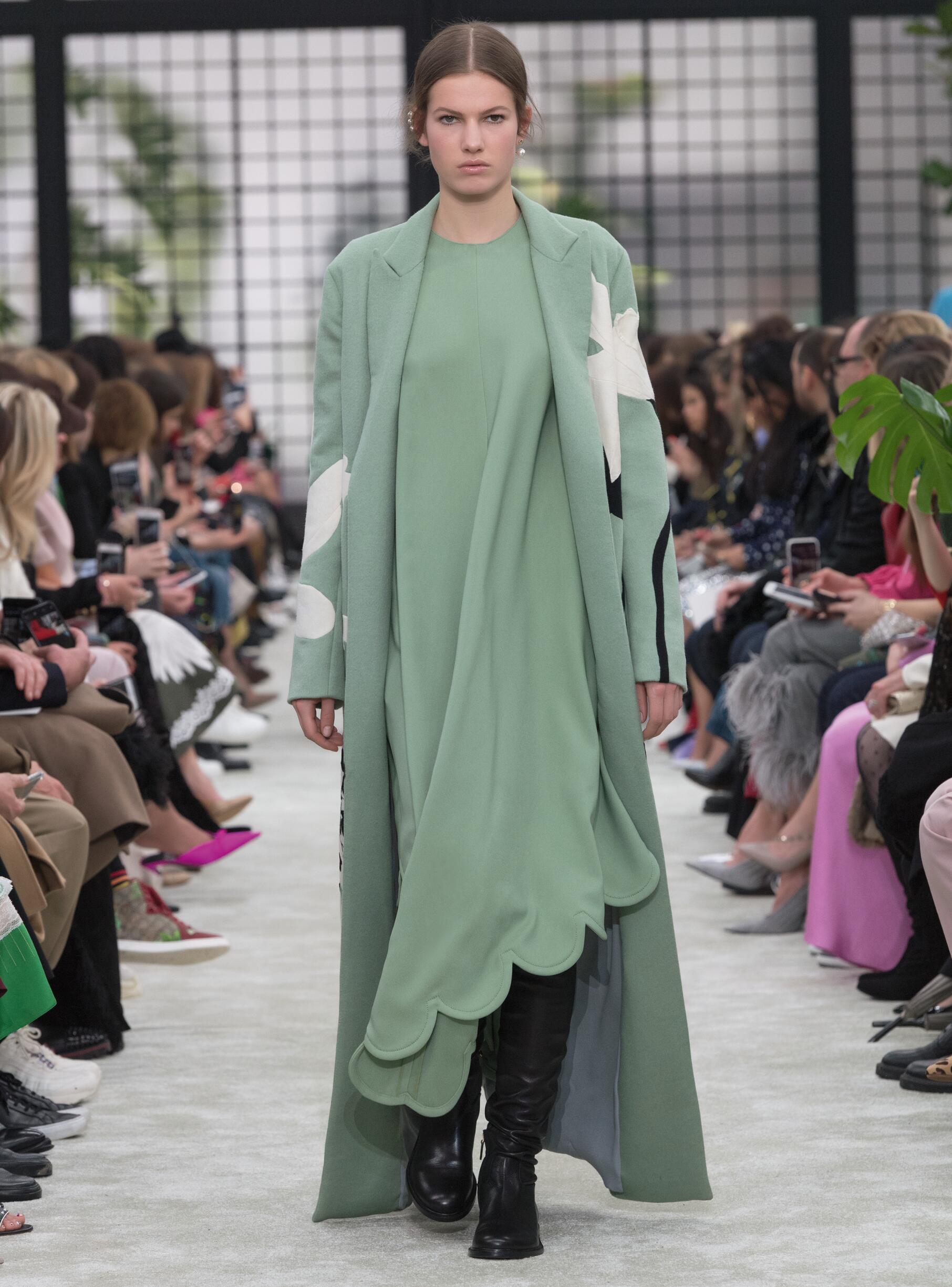 Fashion 2018-19 Woman Style Valentino