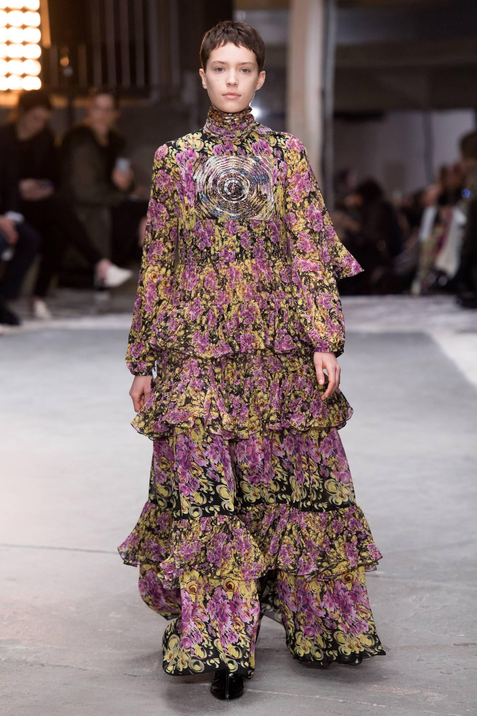 Fashion 2018-19 Woman Trends Giambattista Valli