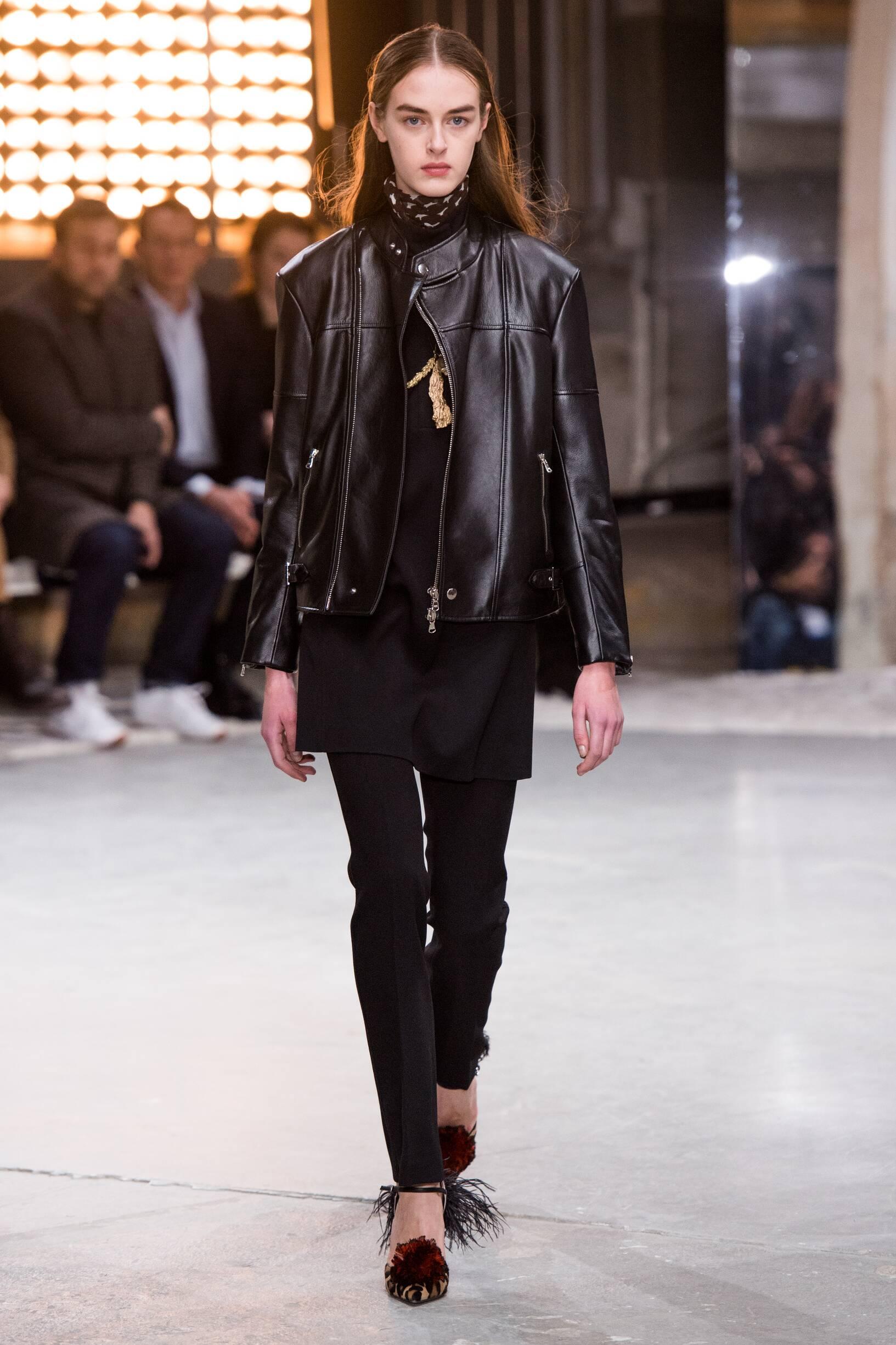 Fashion 2018-2019 Catwalk Giambattista Valli Winter