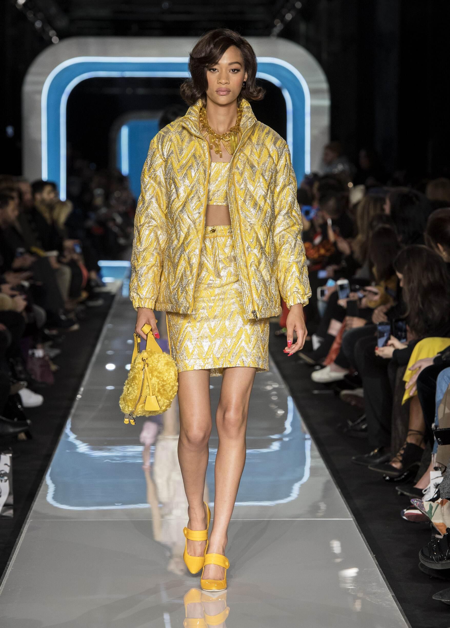 Fashion 2018-2019 Catwalk Moschino Winter