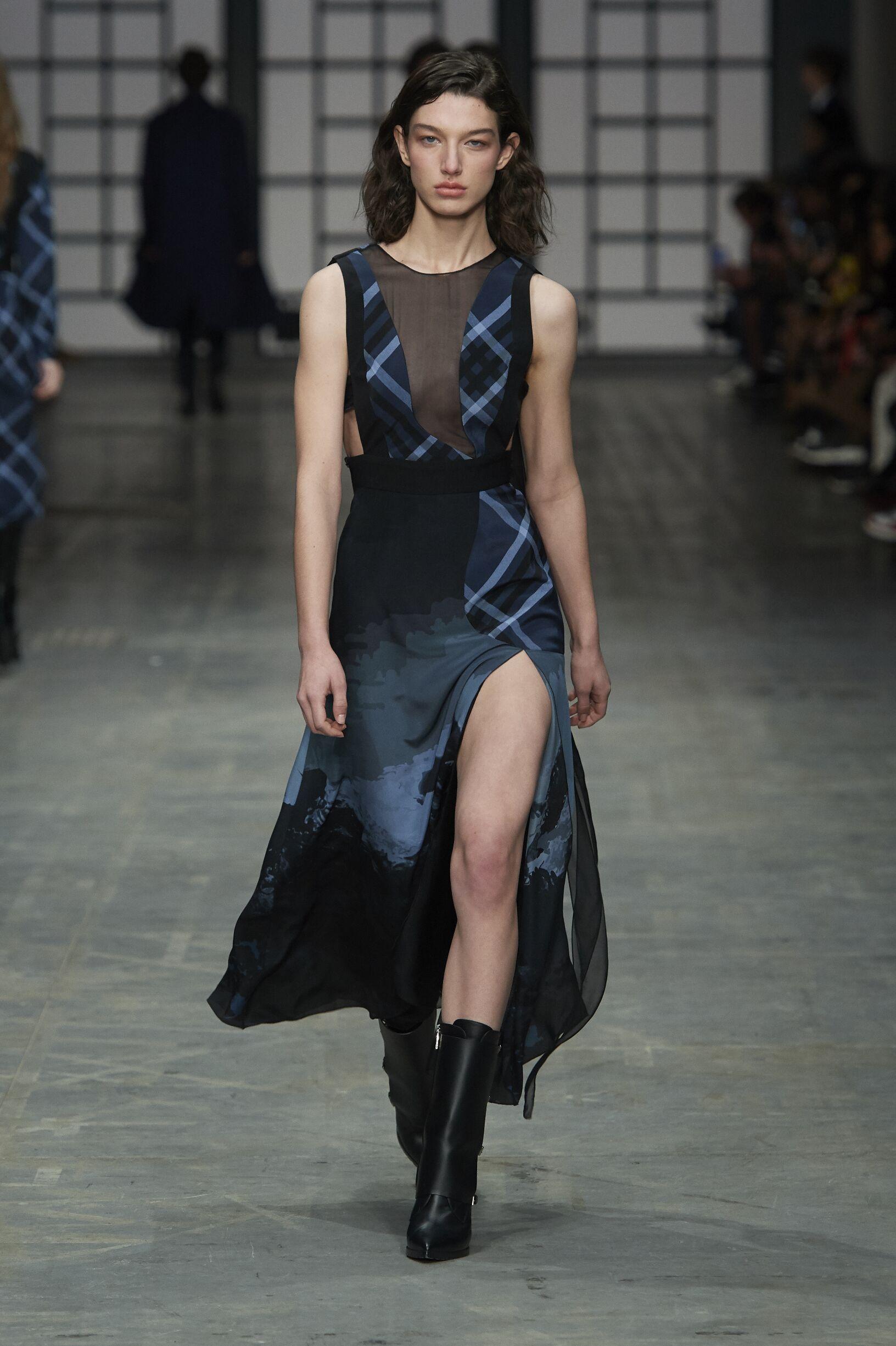 Fashion 2018-2019 Woman Colors Trends Trussardi