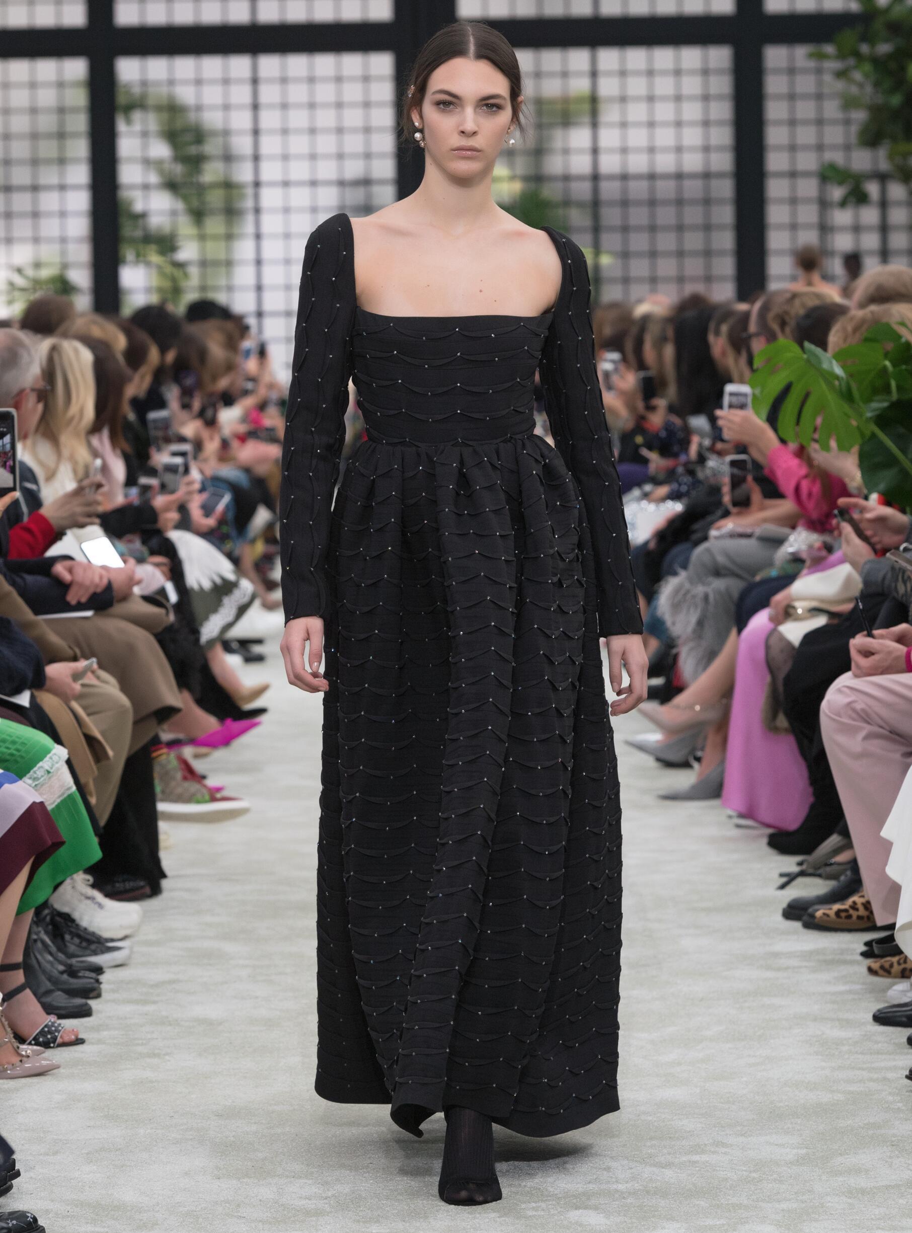 Fashion 2018-2019 Woman Colors Trends Valentino