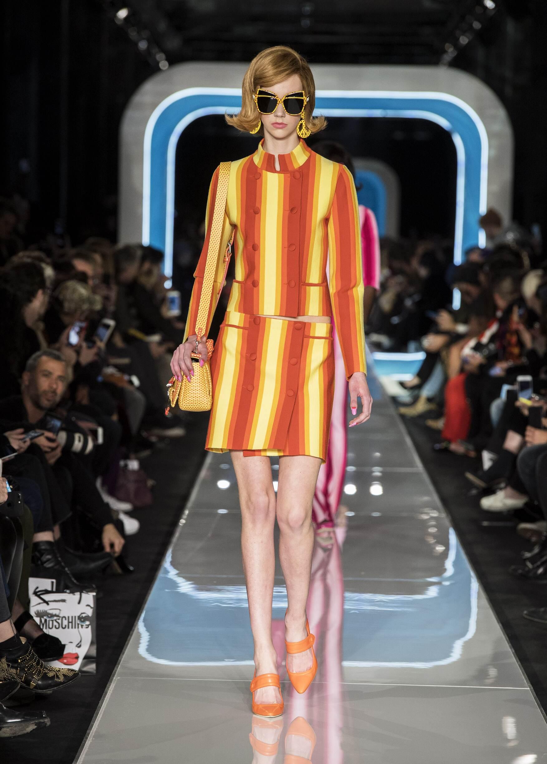 Fashion 2018-2019 Woman Style Moschino