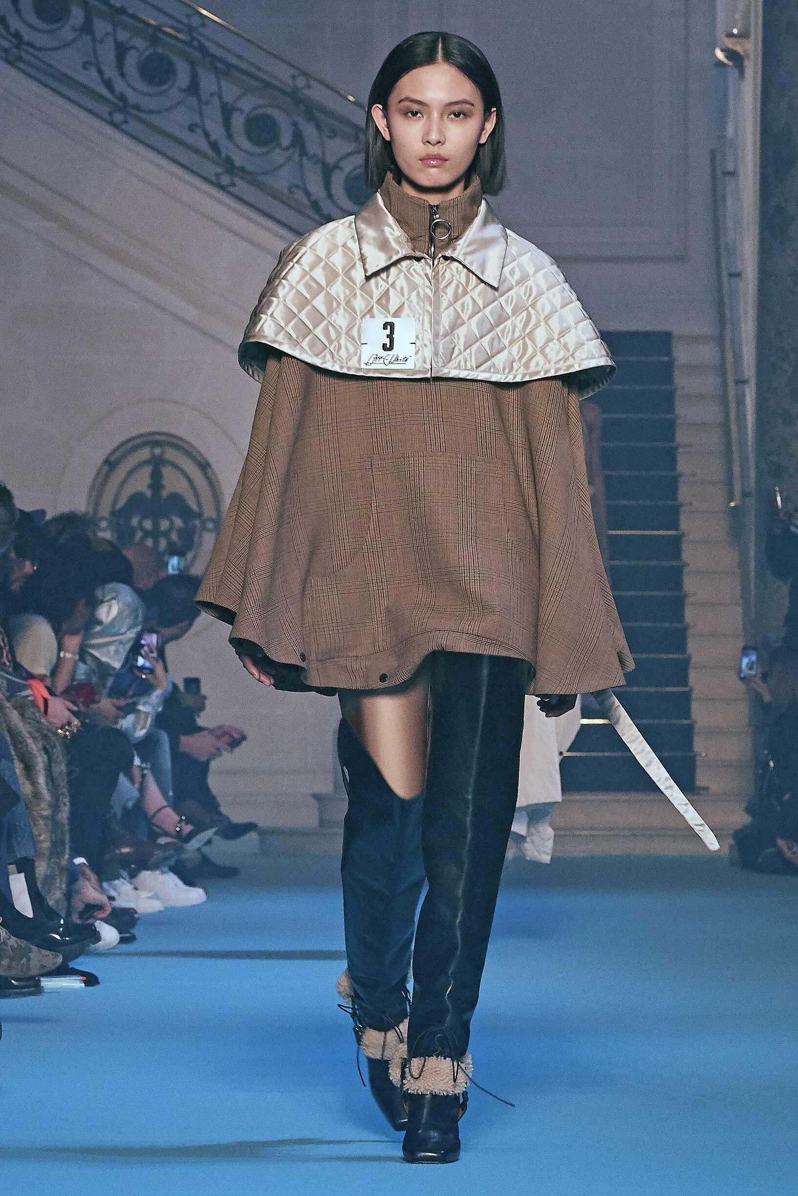 Fashion 2018-2019 Woman Style Off-White