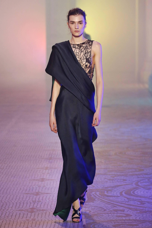 Fashion 2018-2019 Woman Style Poiret