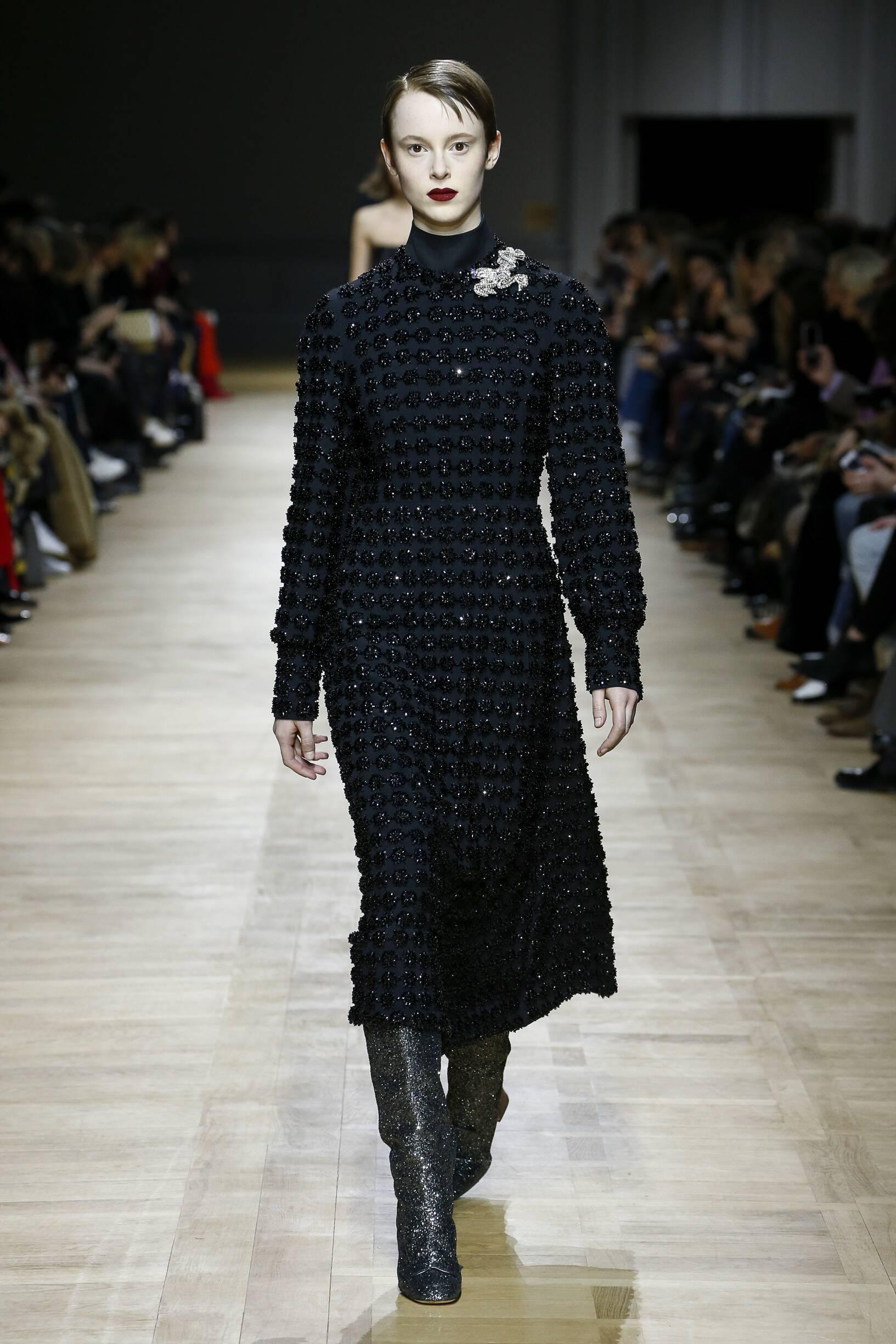 Fashion 2018-2019 Woman Style Rochas