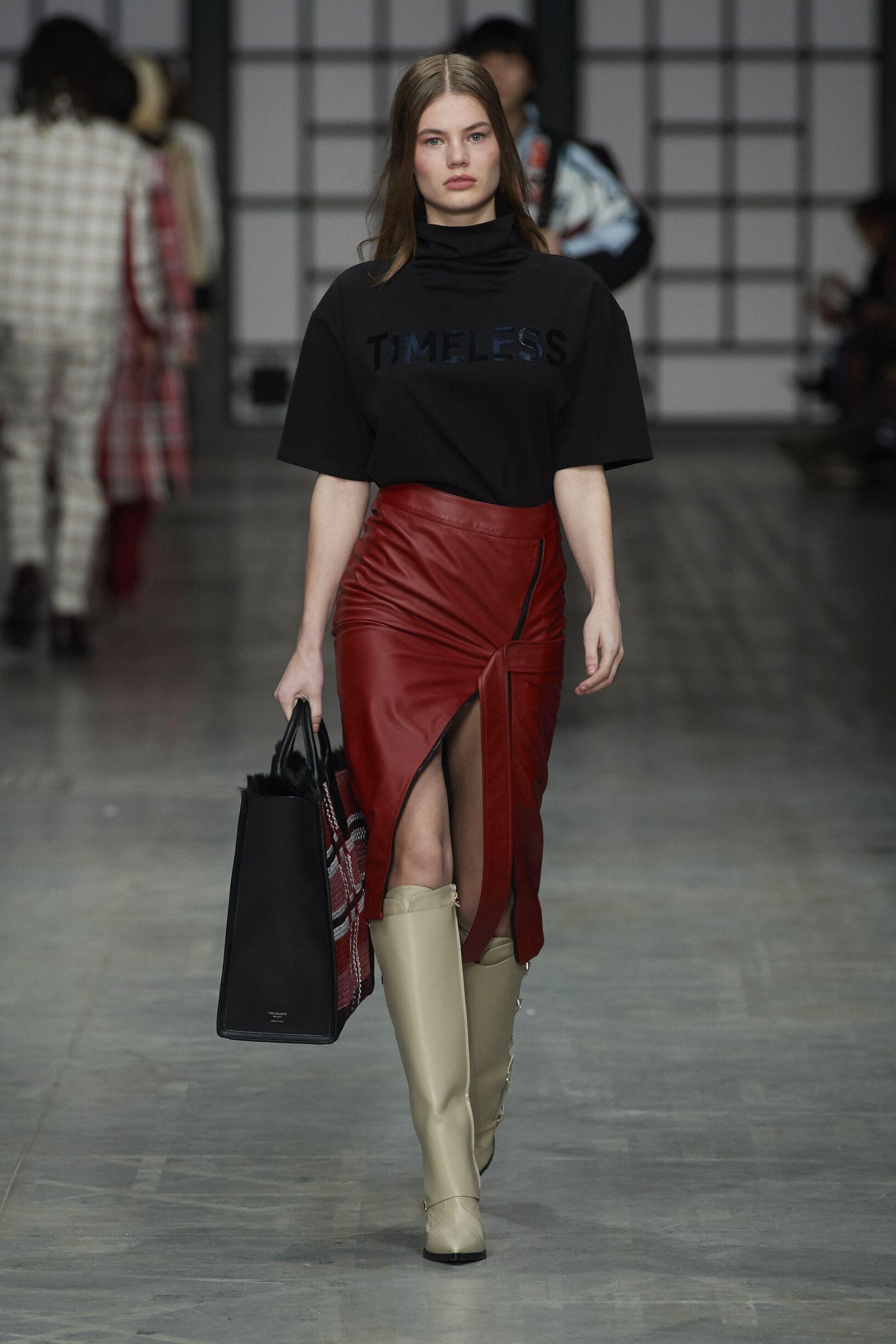 Fashion 2018-2019 Woman Style Trussardi