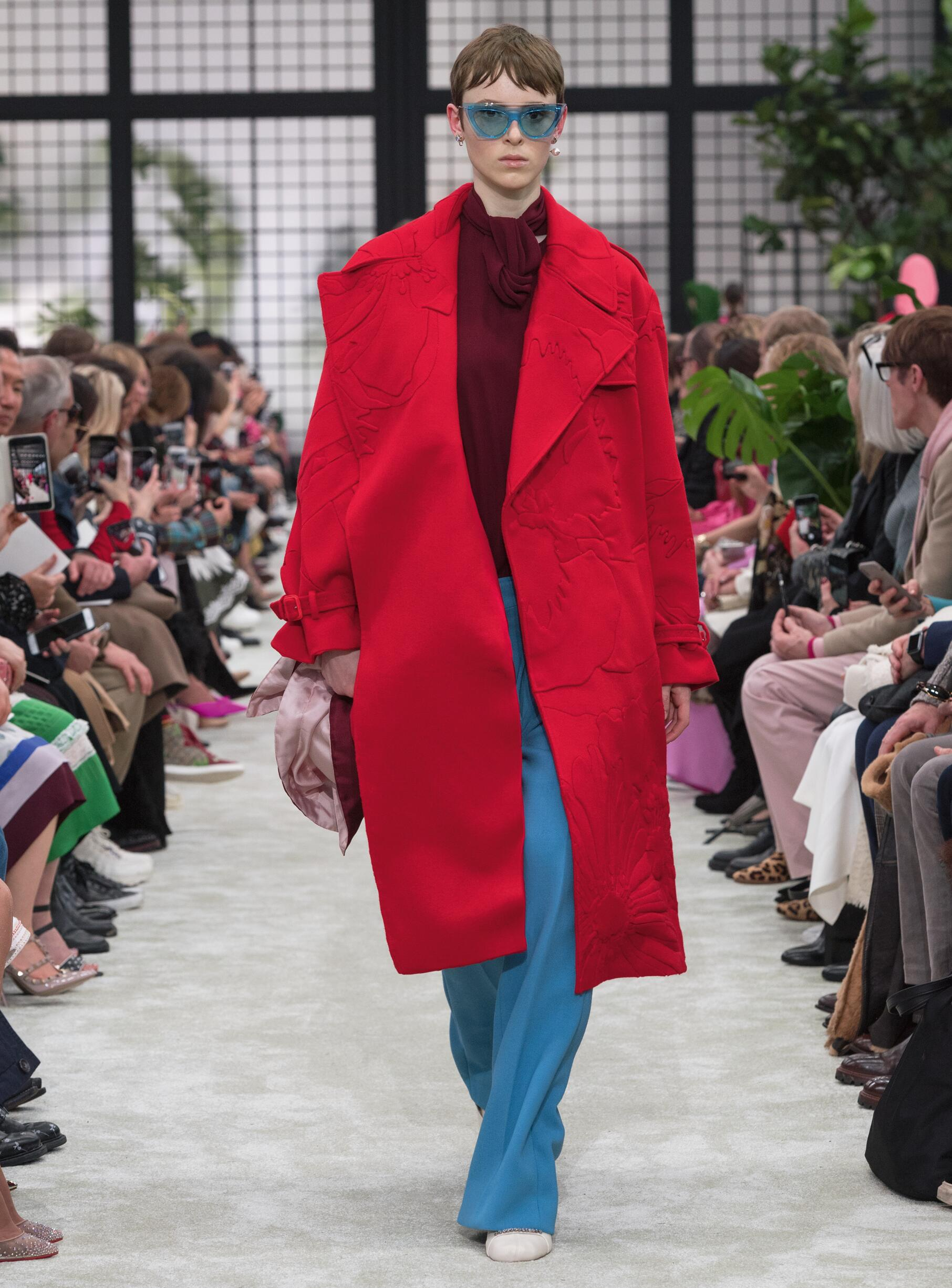Fashion 2018-2019 Woman Style Valentino