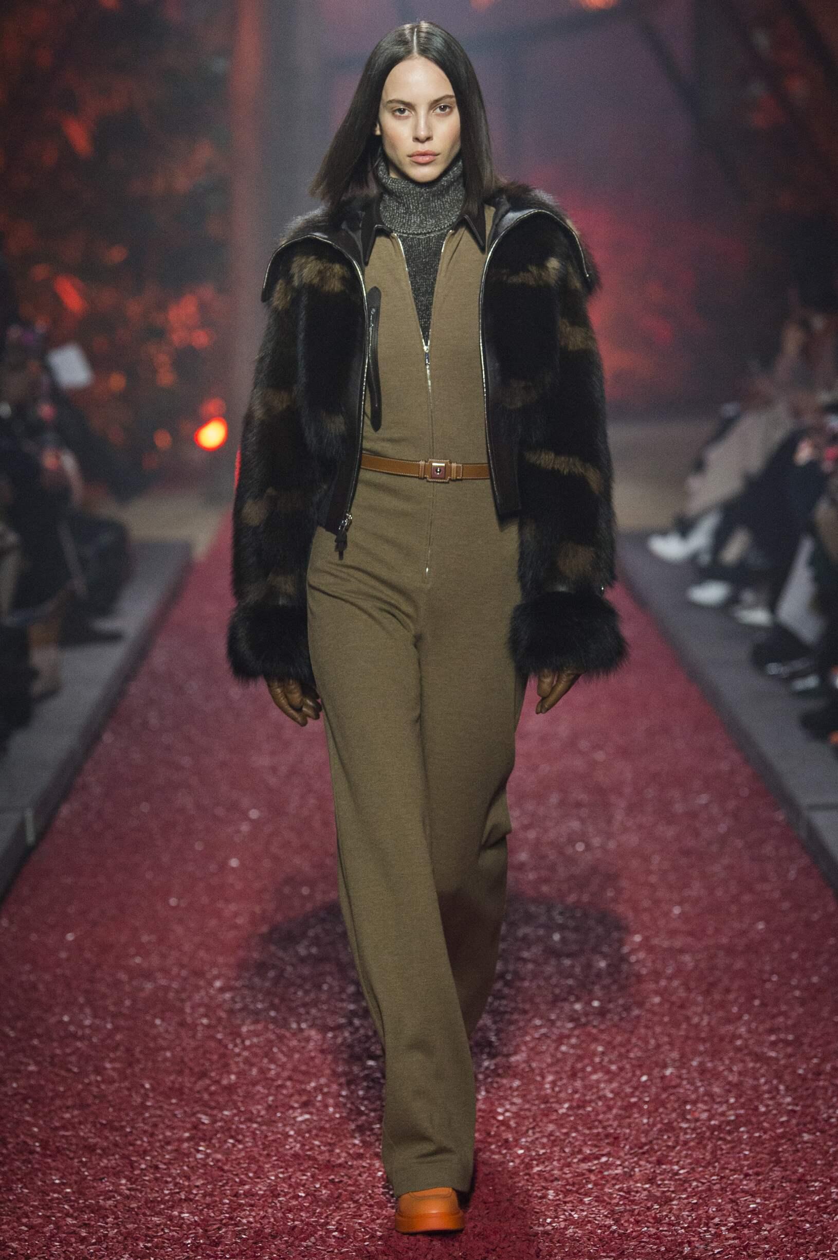Fashion 2018-2019 Woman Trends Hermès