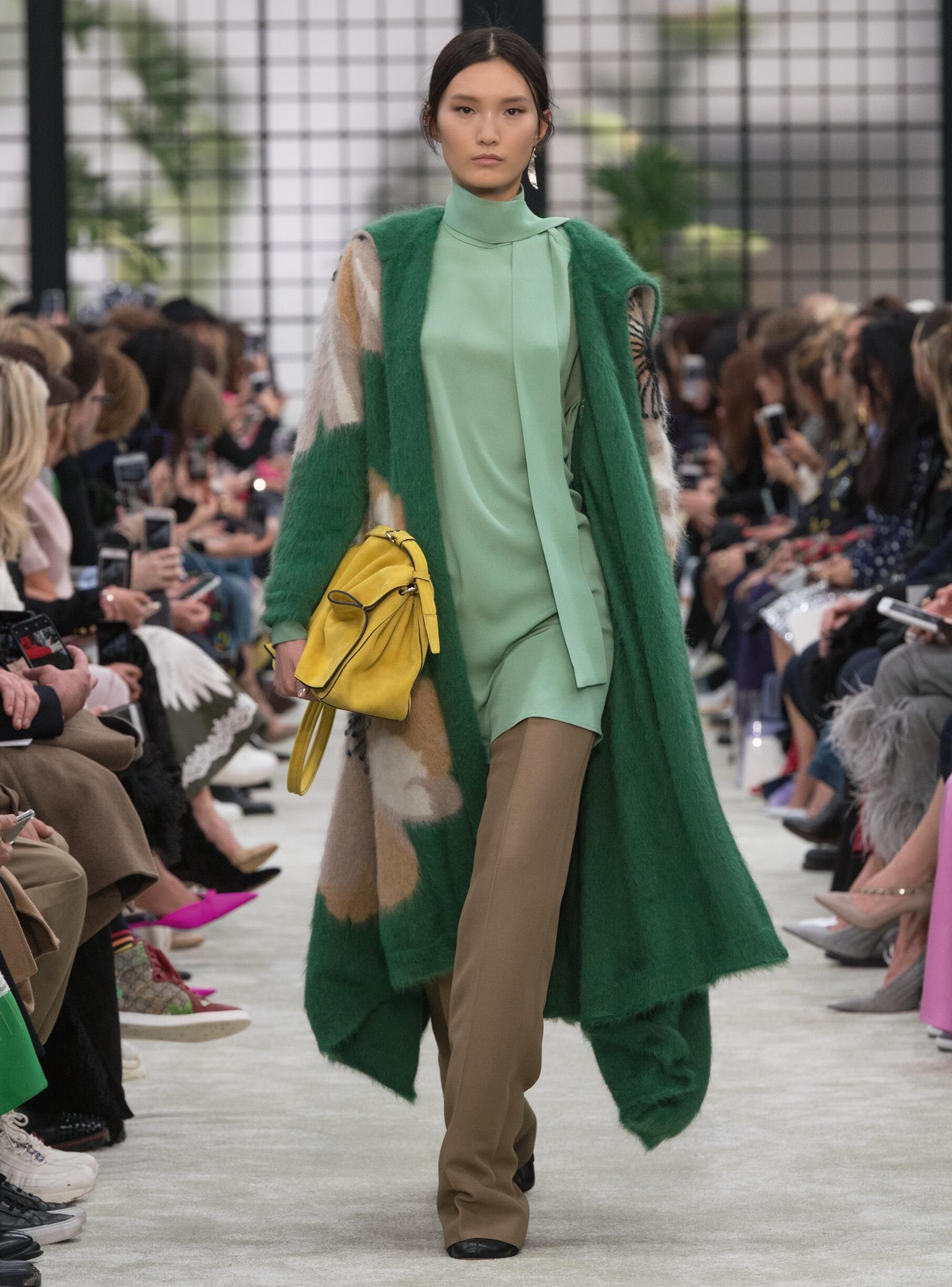 Fashion 2018-2019 Woman Trends Valentino