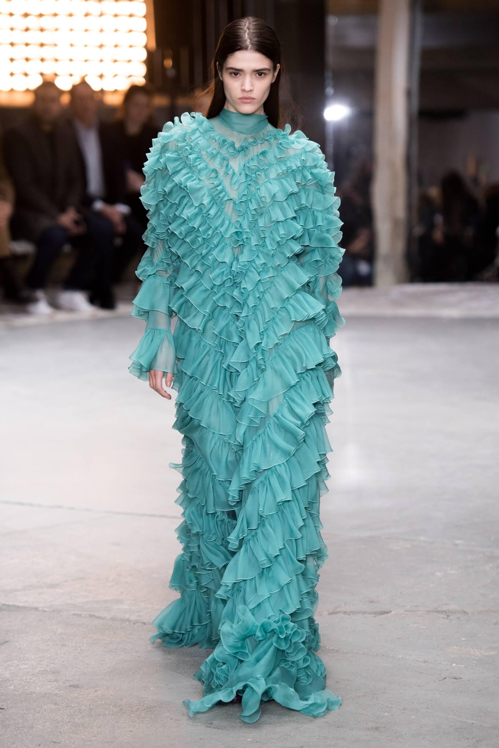 Fashion 2018-2019 Womenswear Style Giambattista Valli