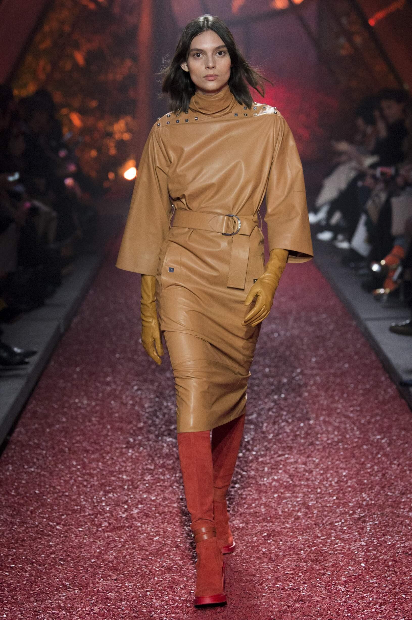 Fashion 2018-2019 Womenswear Style Hermès