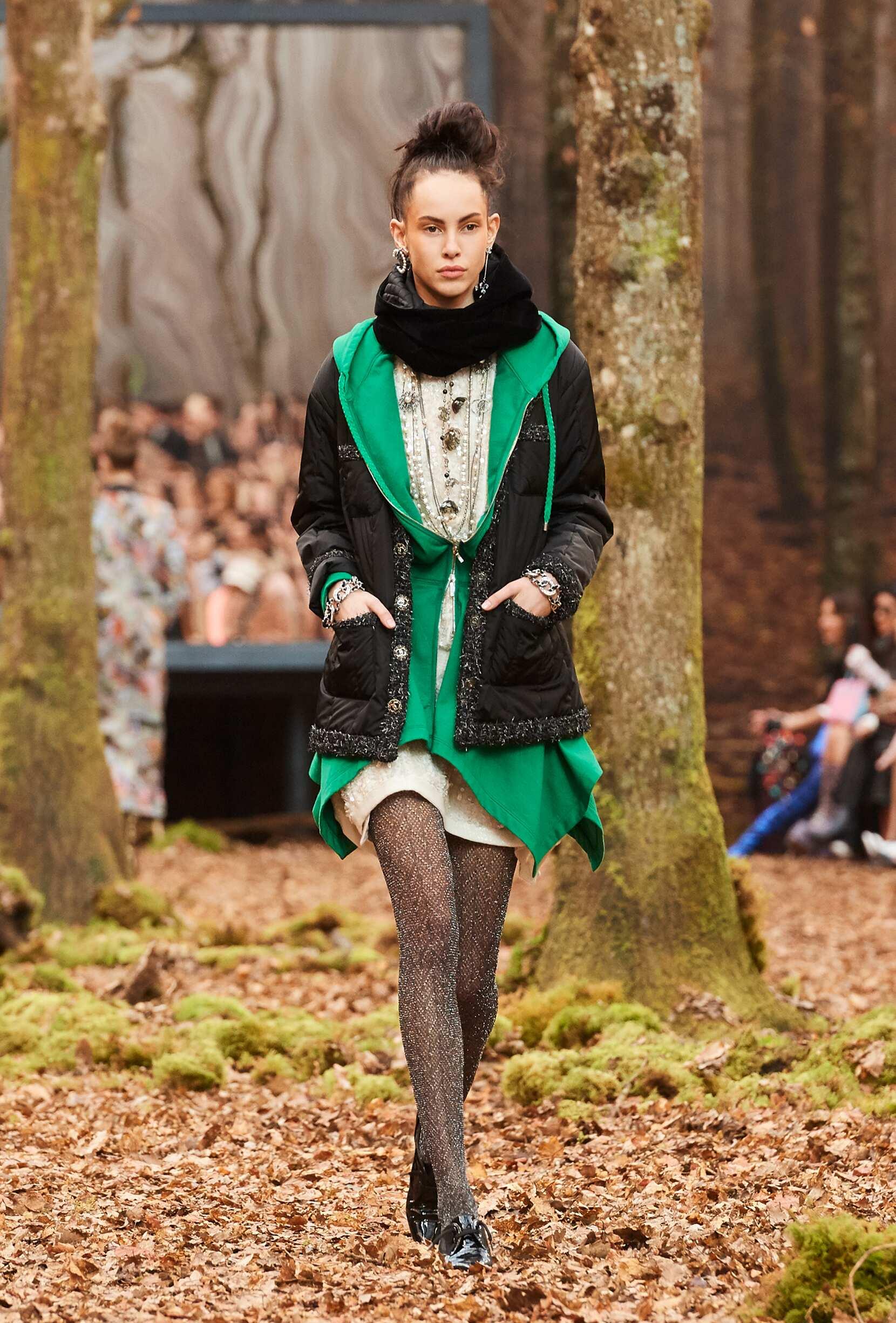 Fashion 2018 Runway Chanel FW