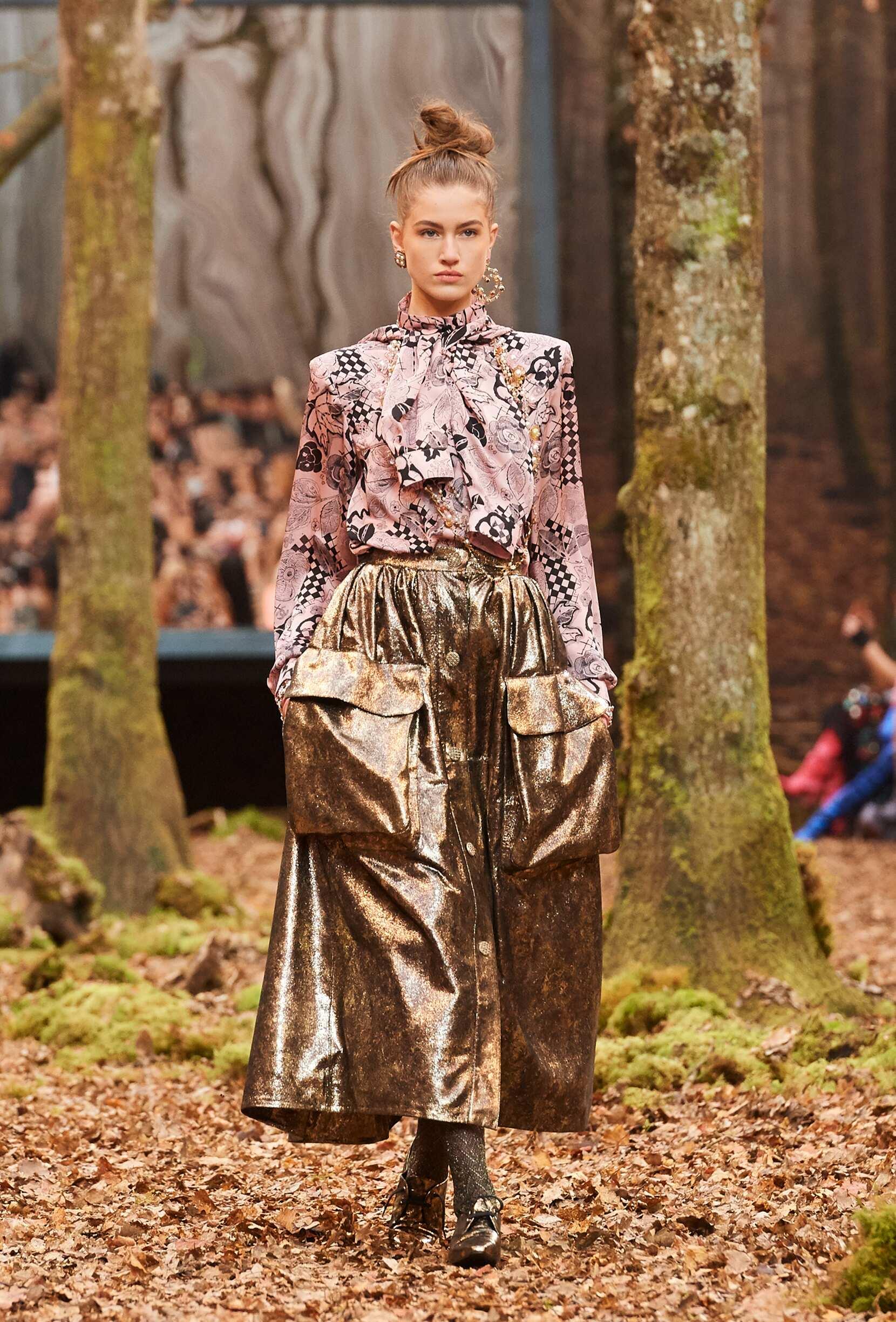 Fashion 2018 Runway Woman Chanel Winter
