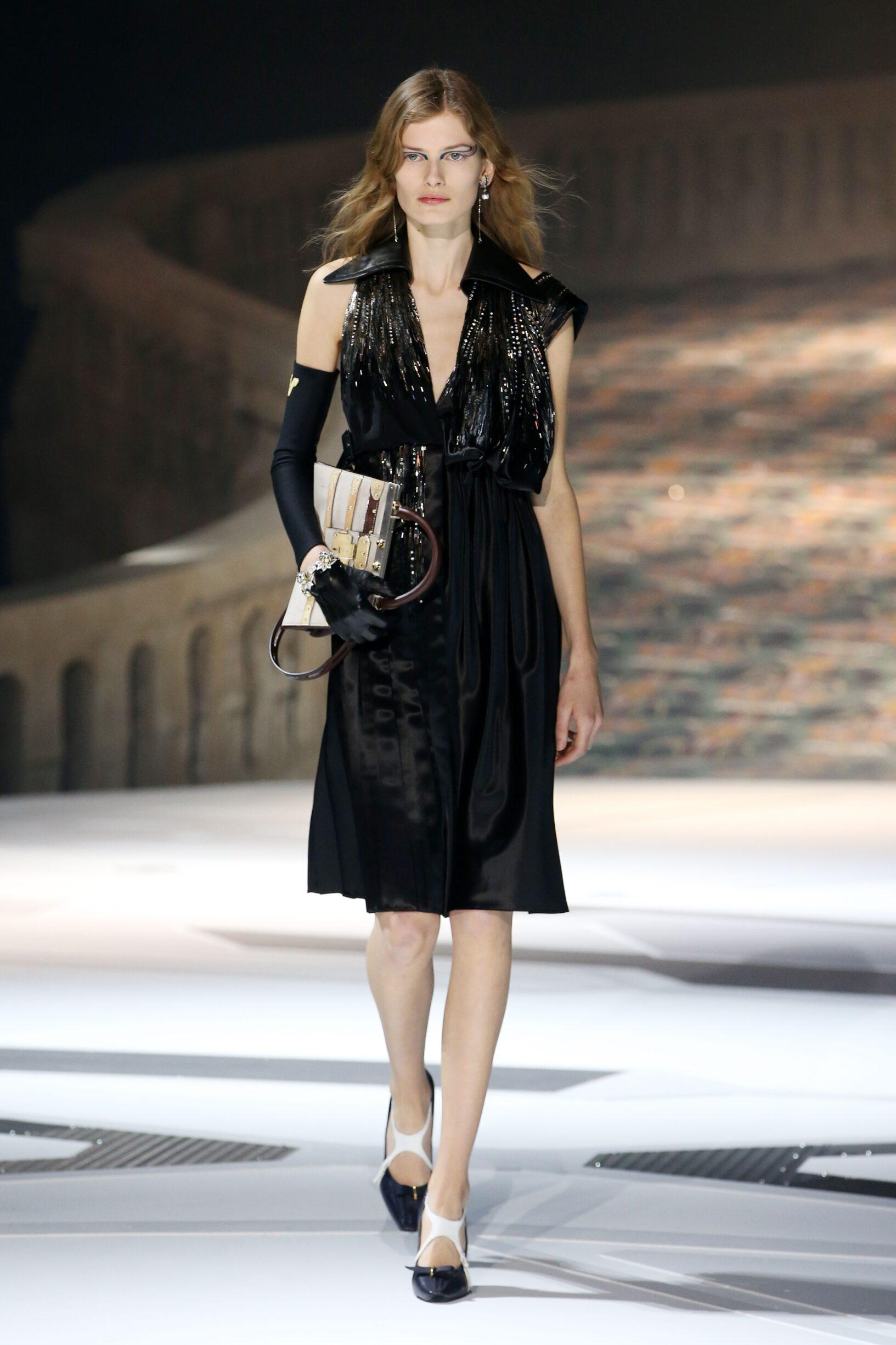 Fashion 2018 Runway Woman Louis Vuitton Winter