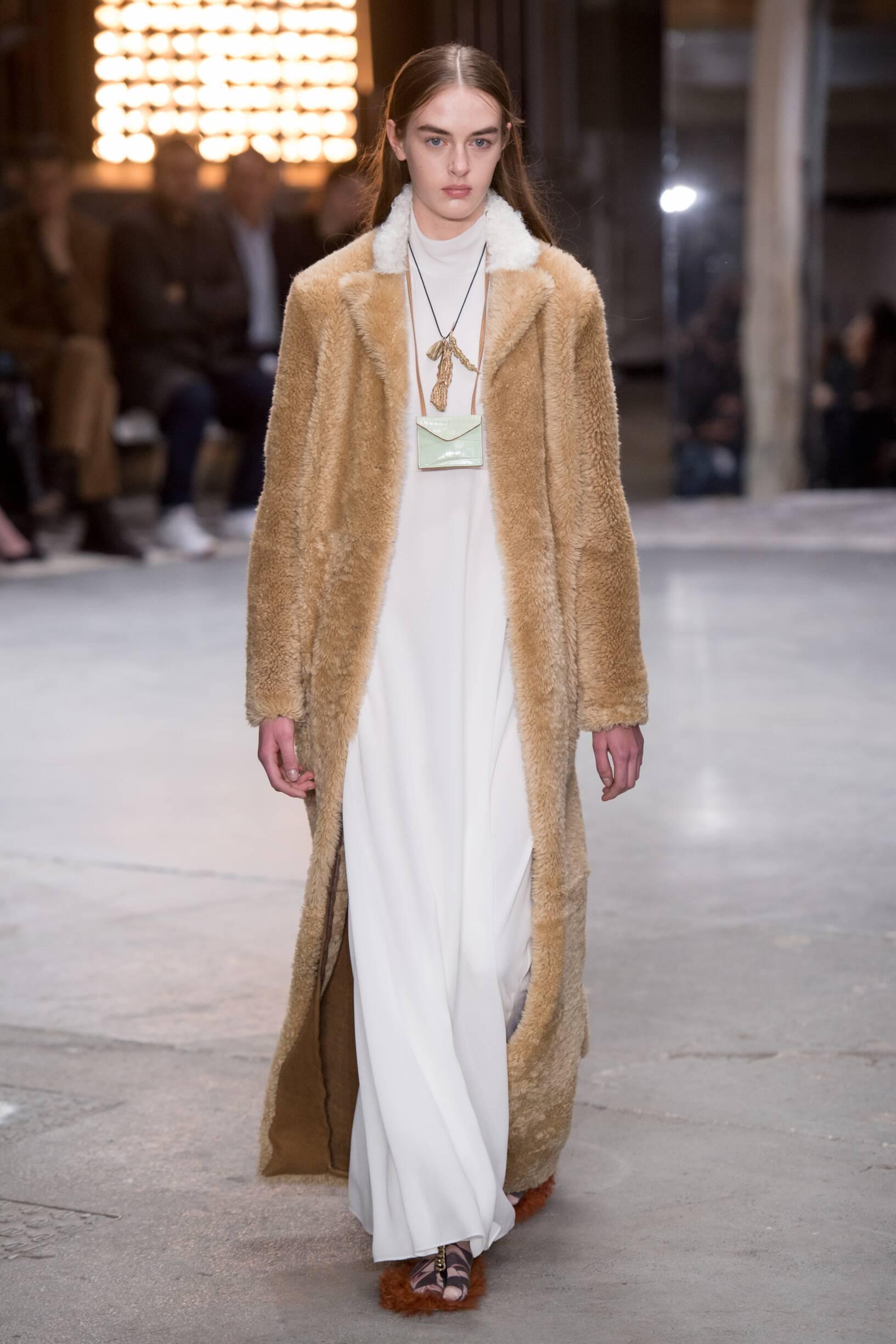 Fashion Model Giambattista Valli Catwalk