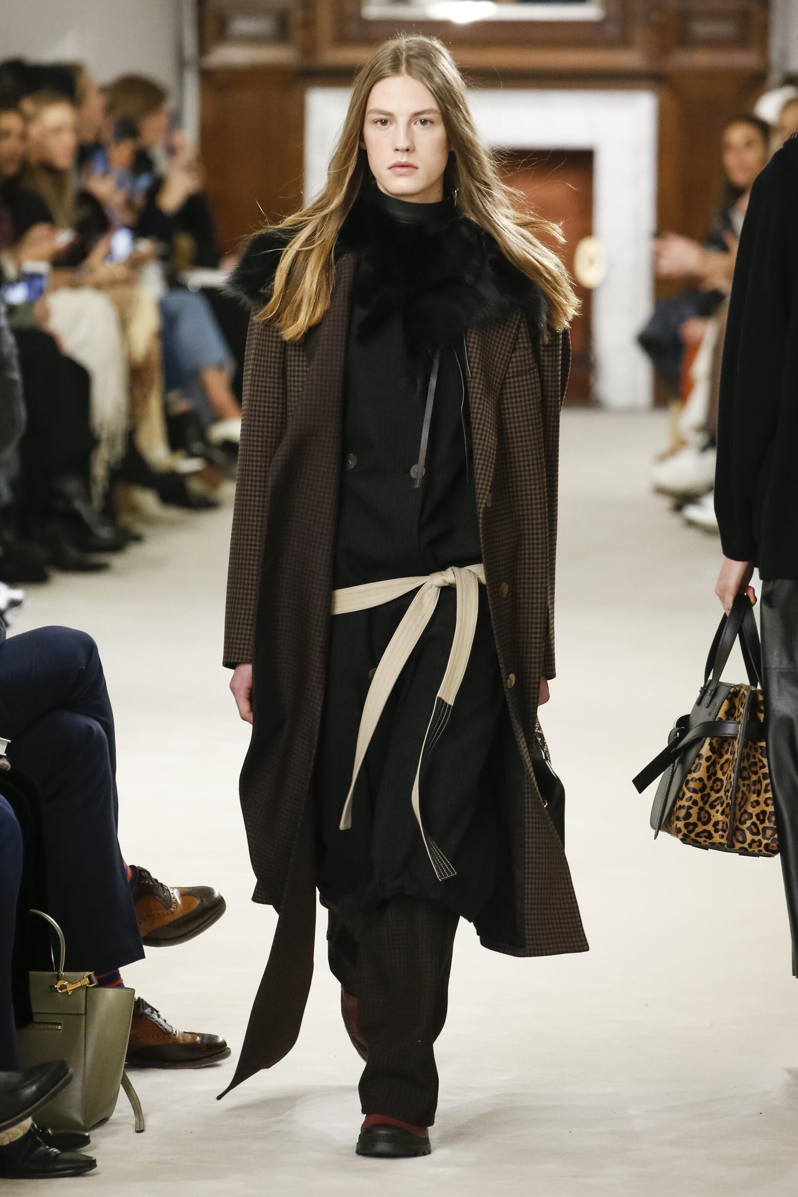 Fashion Model Loewe Catwalk