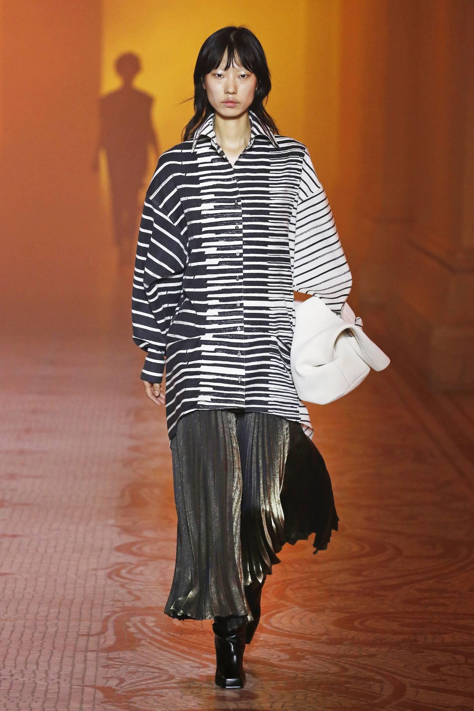 Fashion Model Poiret Catwalk