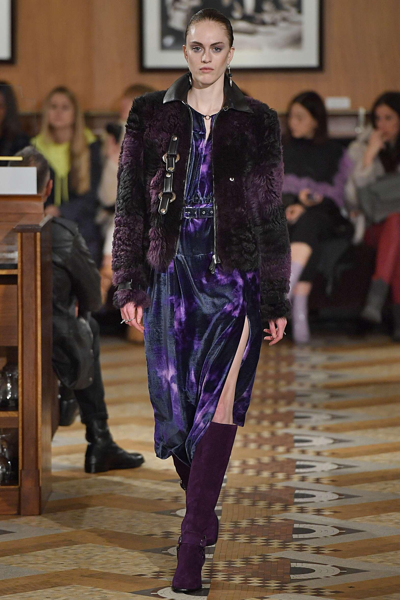 Fashion Woman Model Altuzarra Catwalk