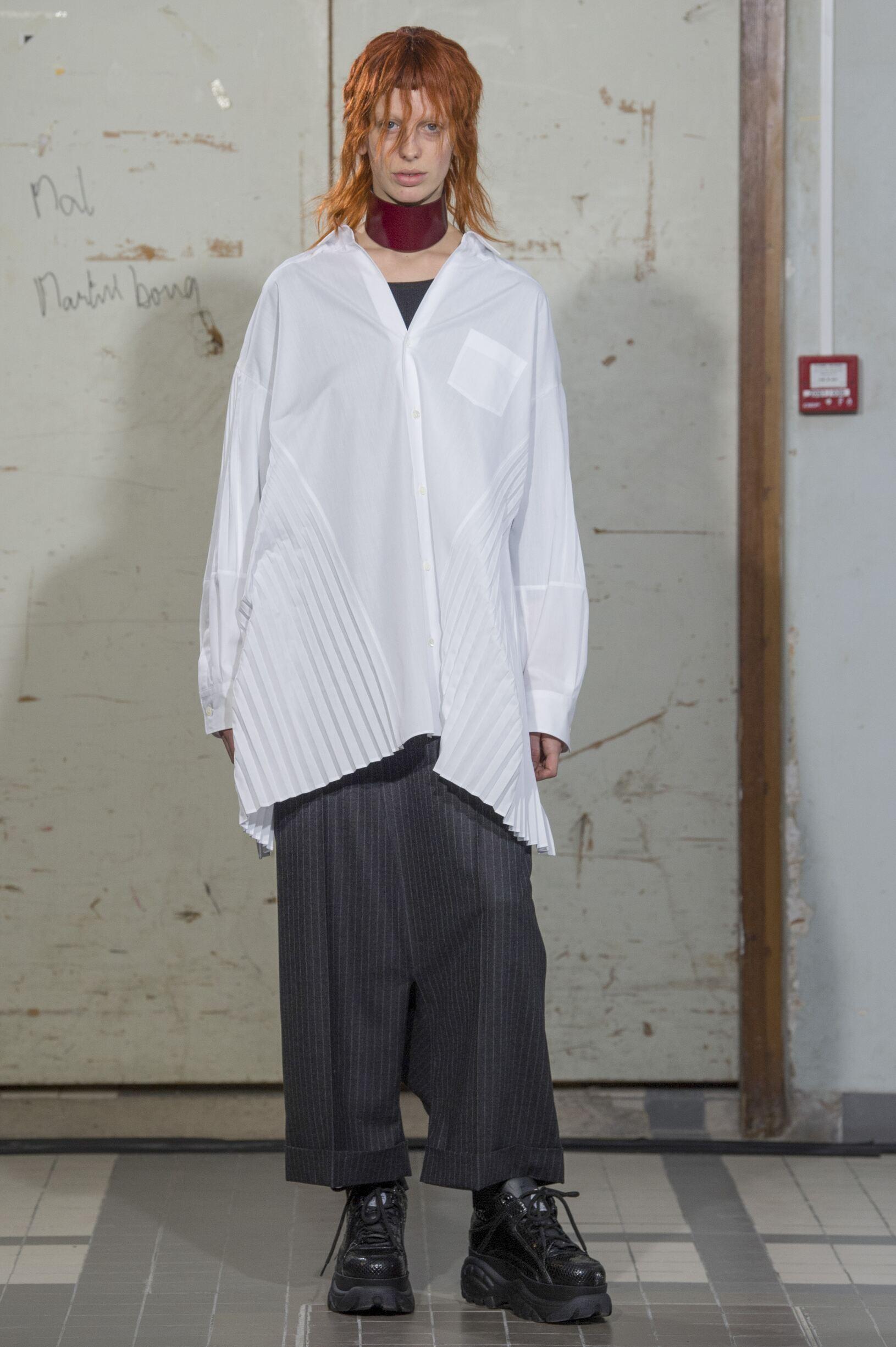 Fashion Woman Model Junya Watanabe Catwalk