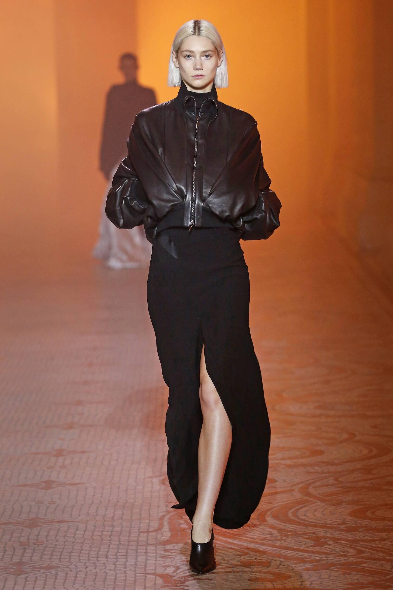 Fashion Woman Model Poiret Catwalk