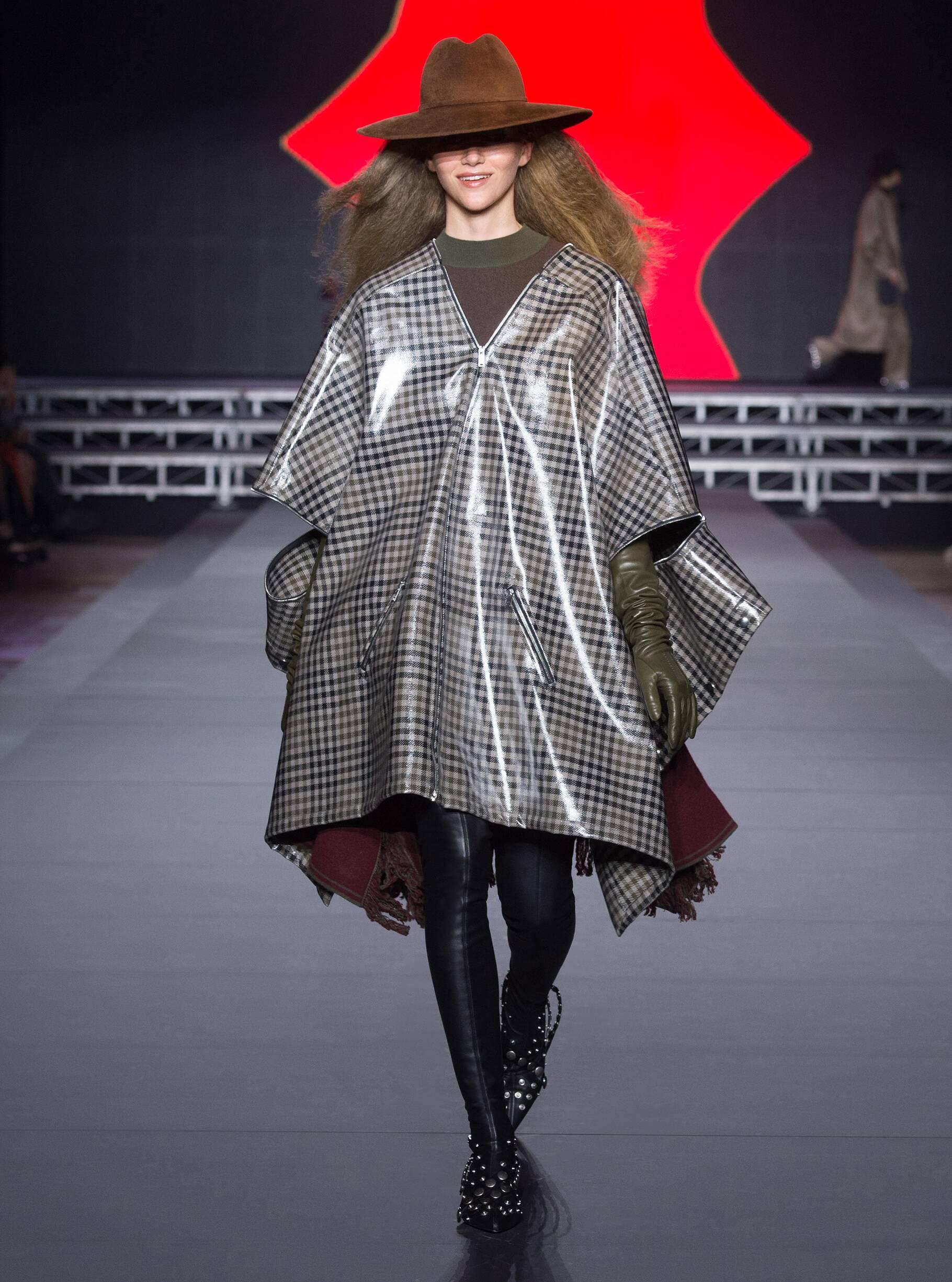 Fashion Woman Model Sonia Rykiel Catwalk