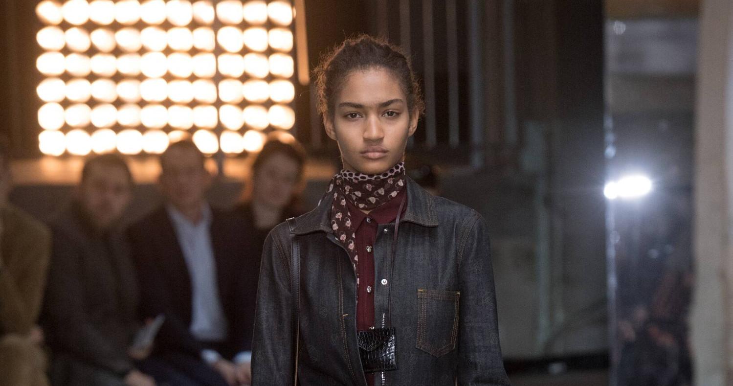 Giambattista Valli Fashion Show FW 2018 Paris