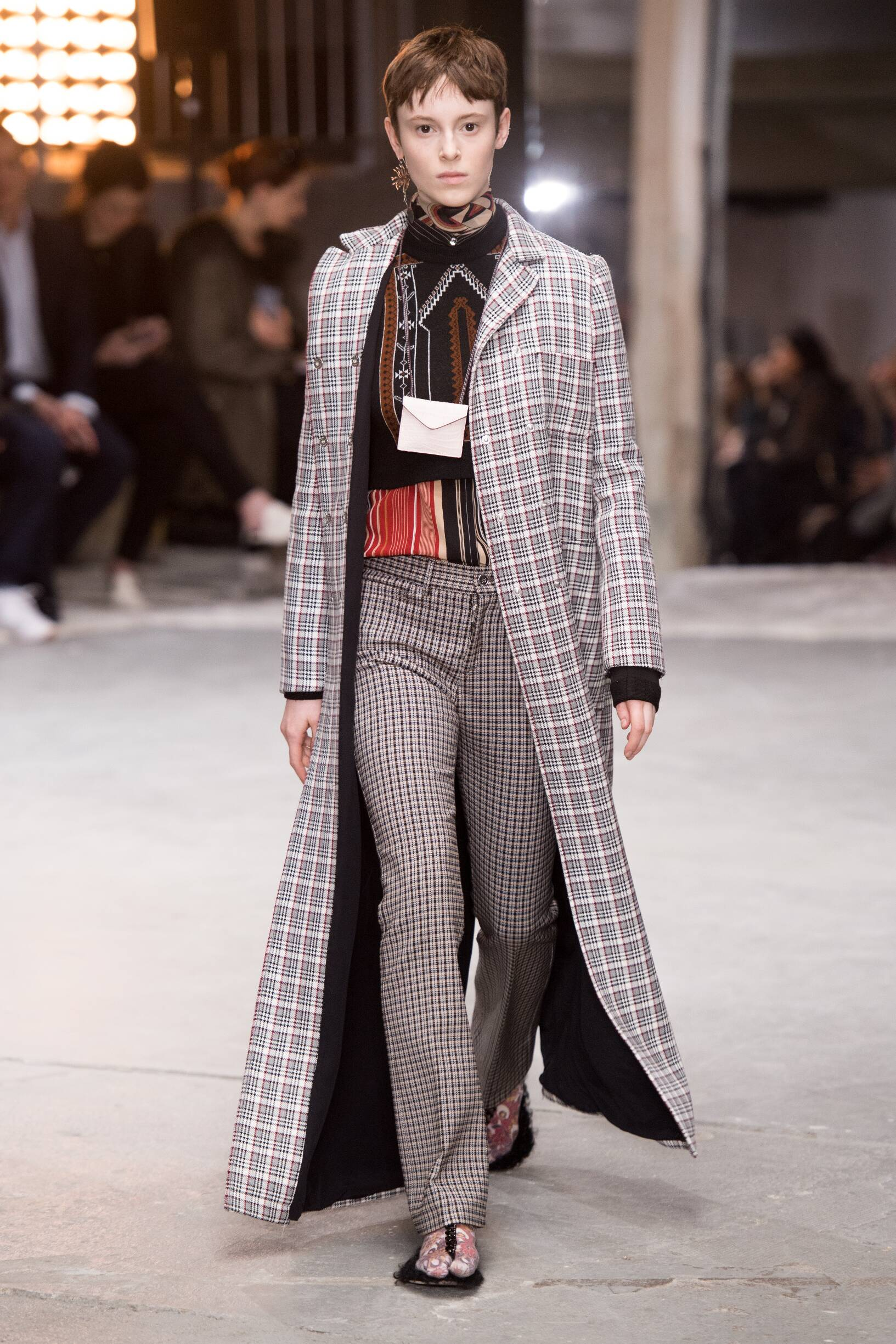 Giambattista Valli Winter 2018 Woman Catwalk