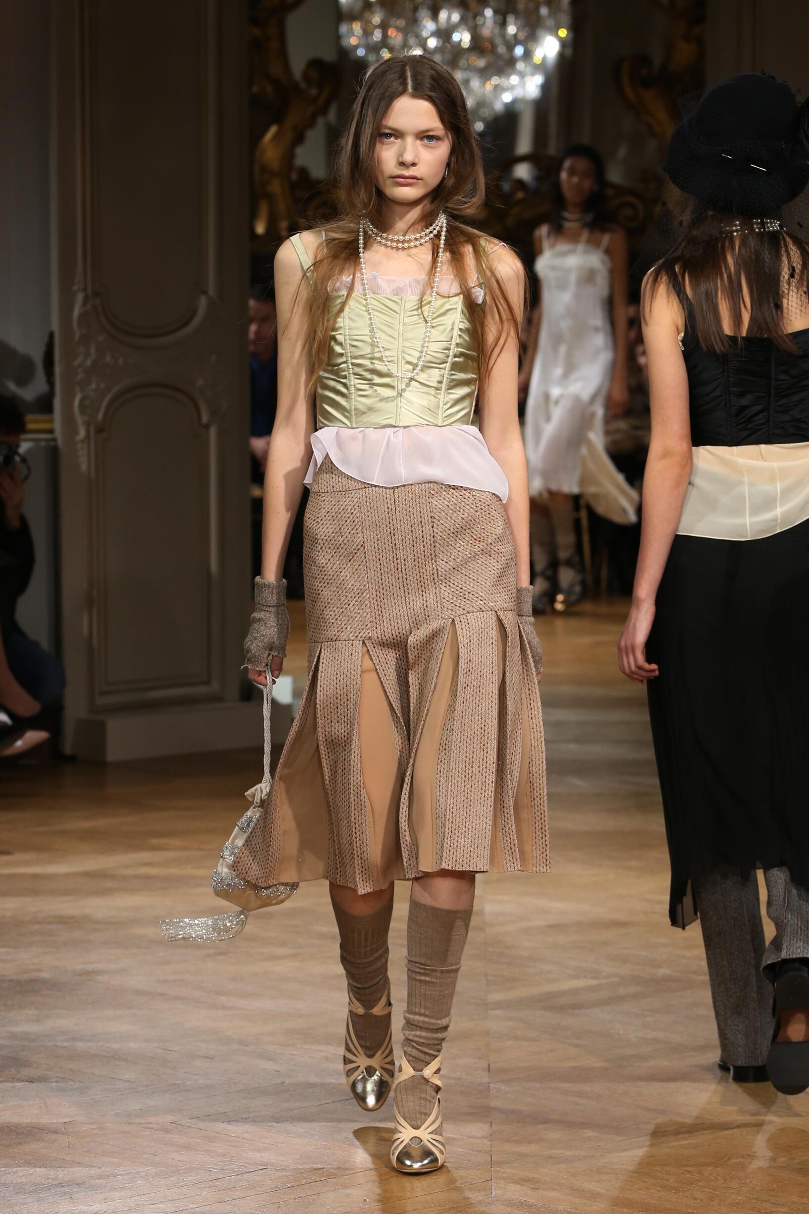 John Galliano Fall Winter 2018 Womens Collection Paris Fashion Week