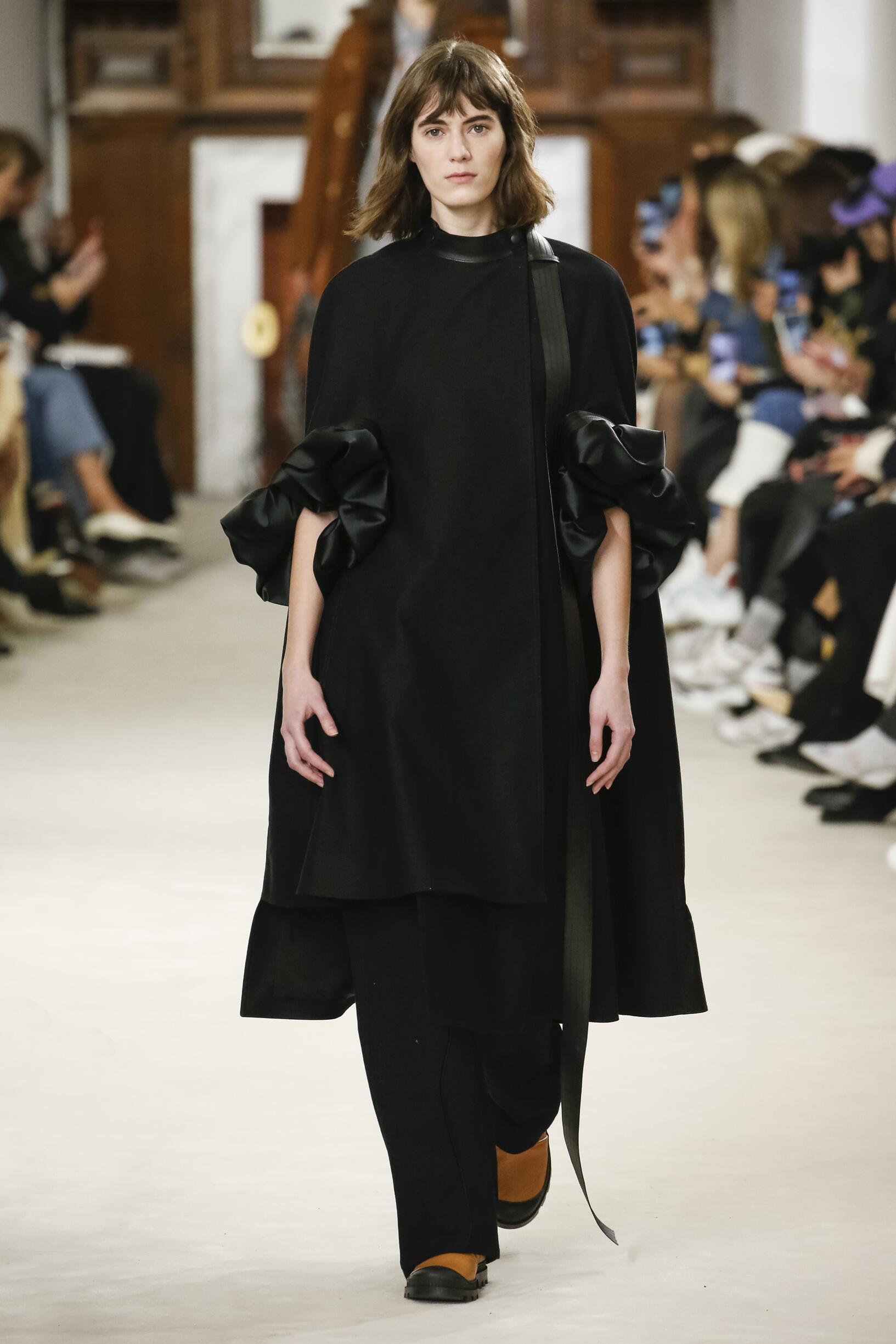 Loewe Fall Winter 2018 Womens Collection Paris Fashion Week
