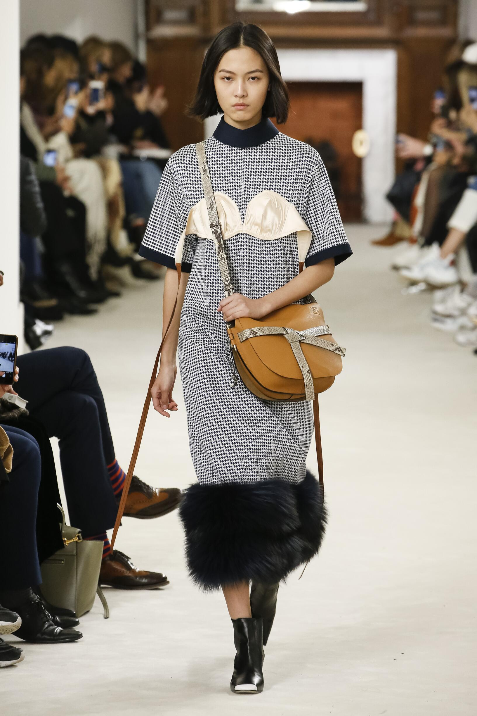 Loewe Fall Winter 2018 Women 39 S Collection The Skinny Beep