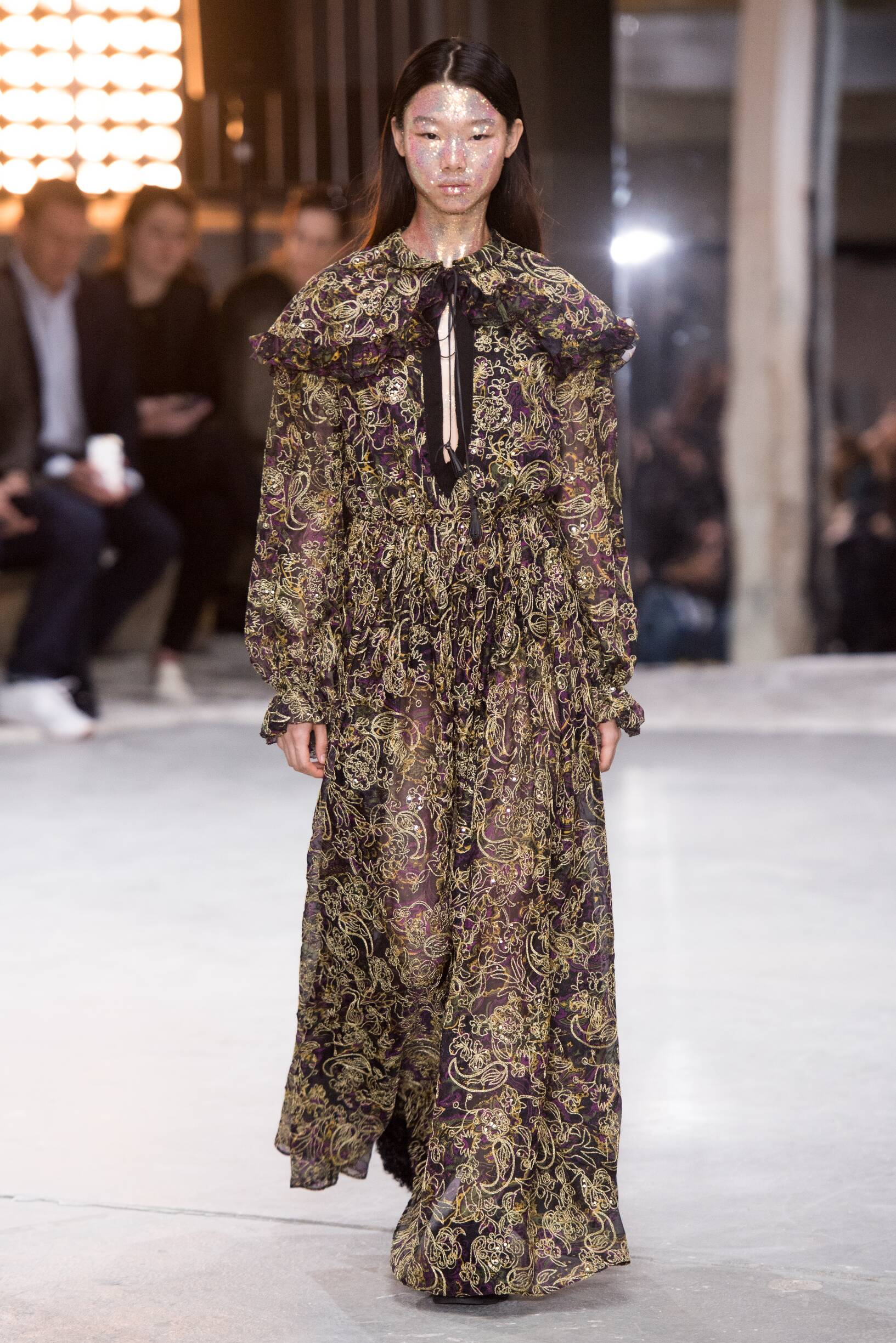 Model Catwalk Giambattista Valli