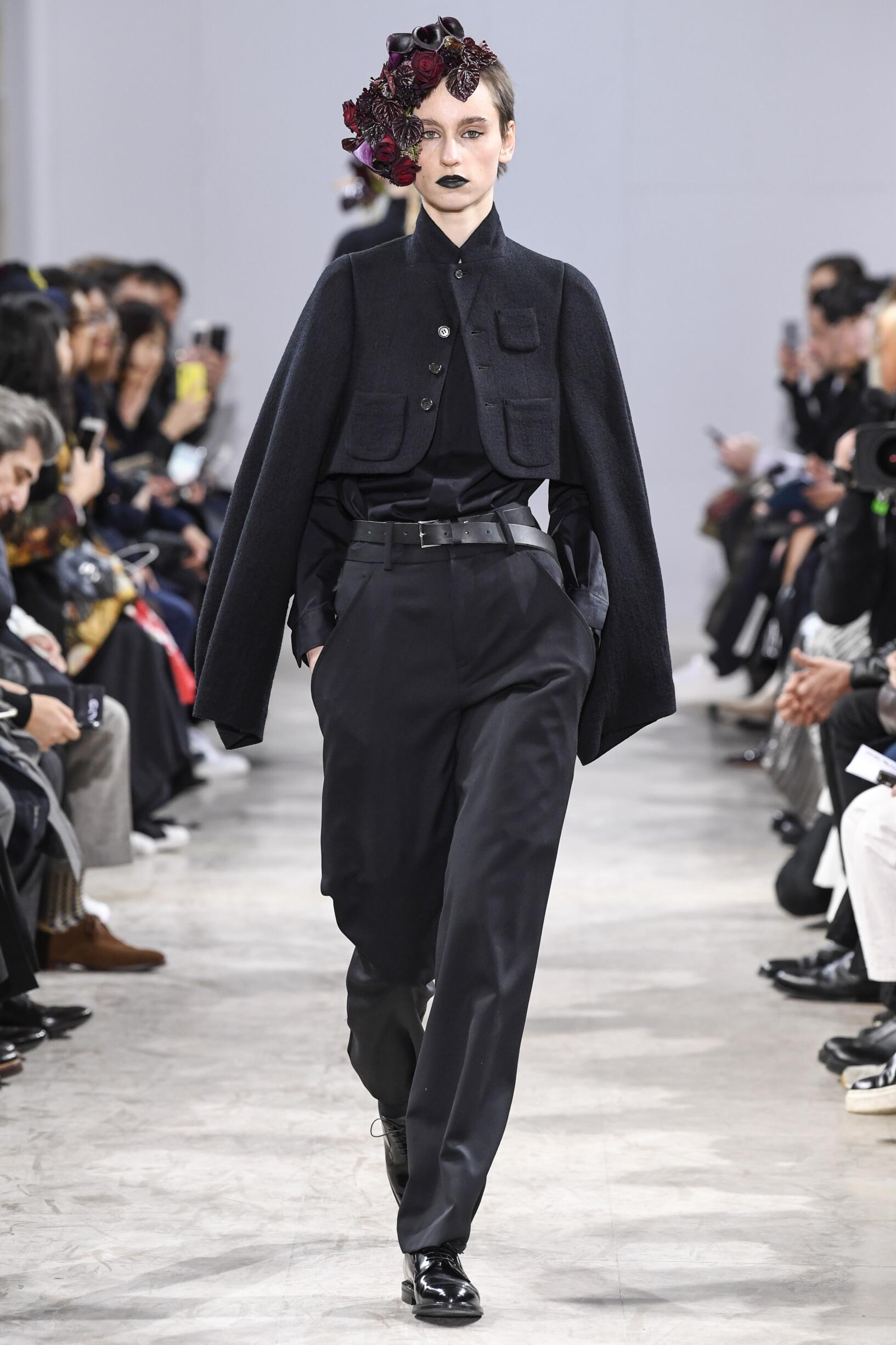 Model Catwalk Noir Kei Ninomiya